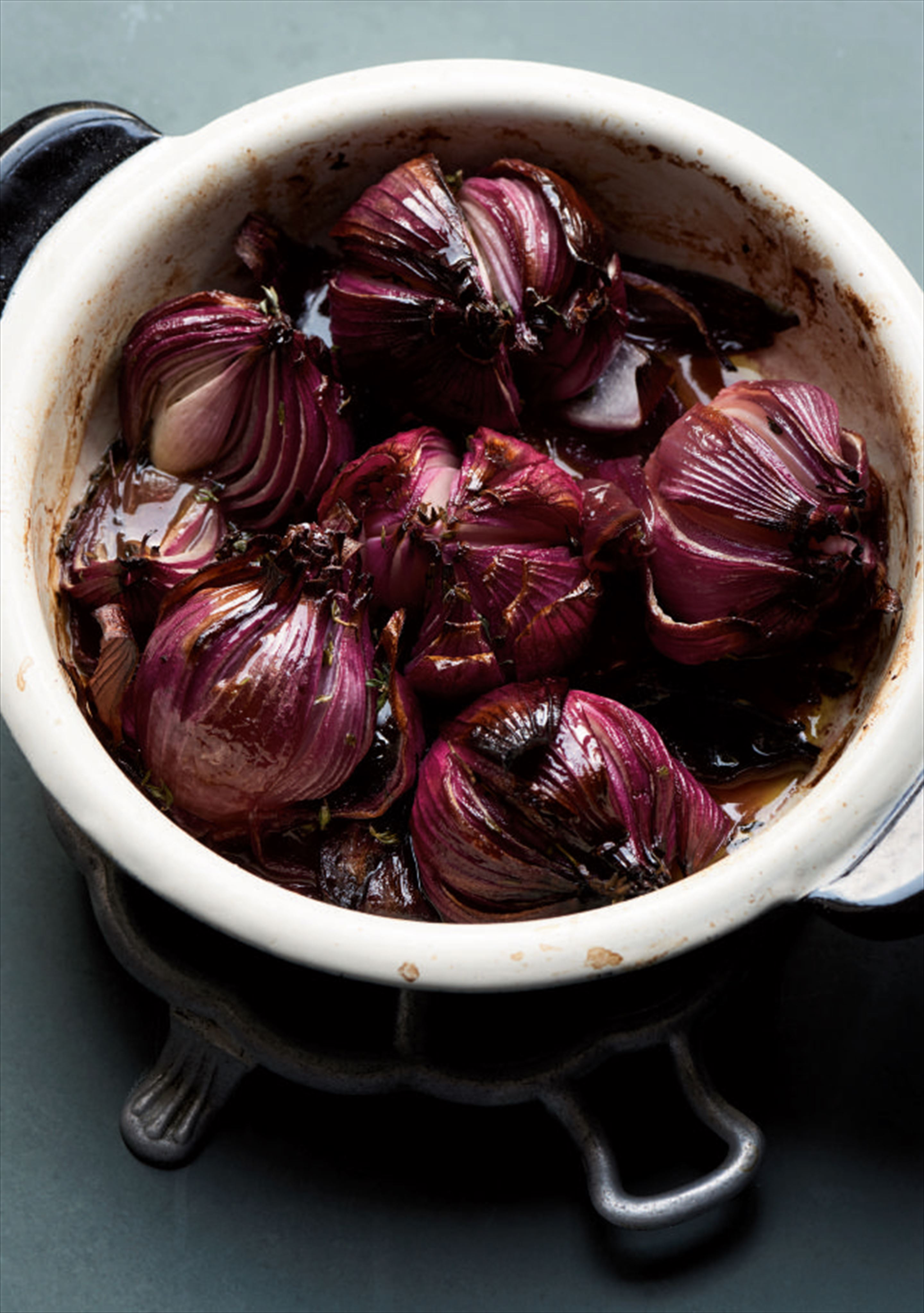 Vermouth-braised red onions
