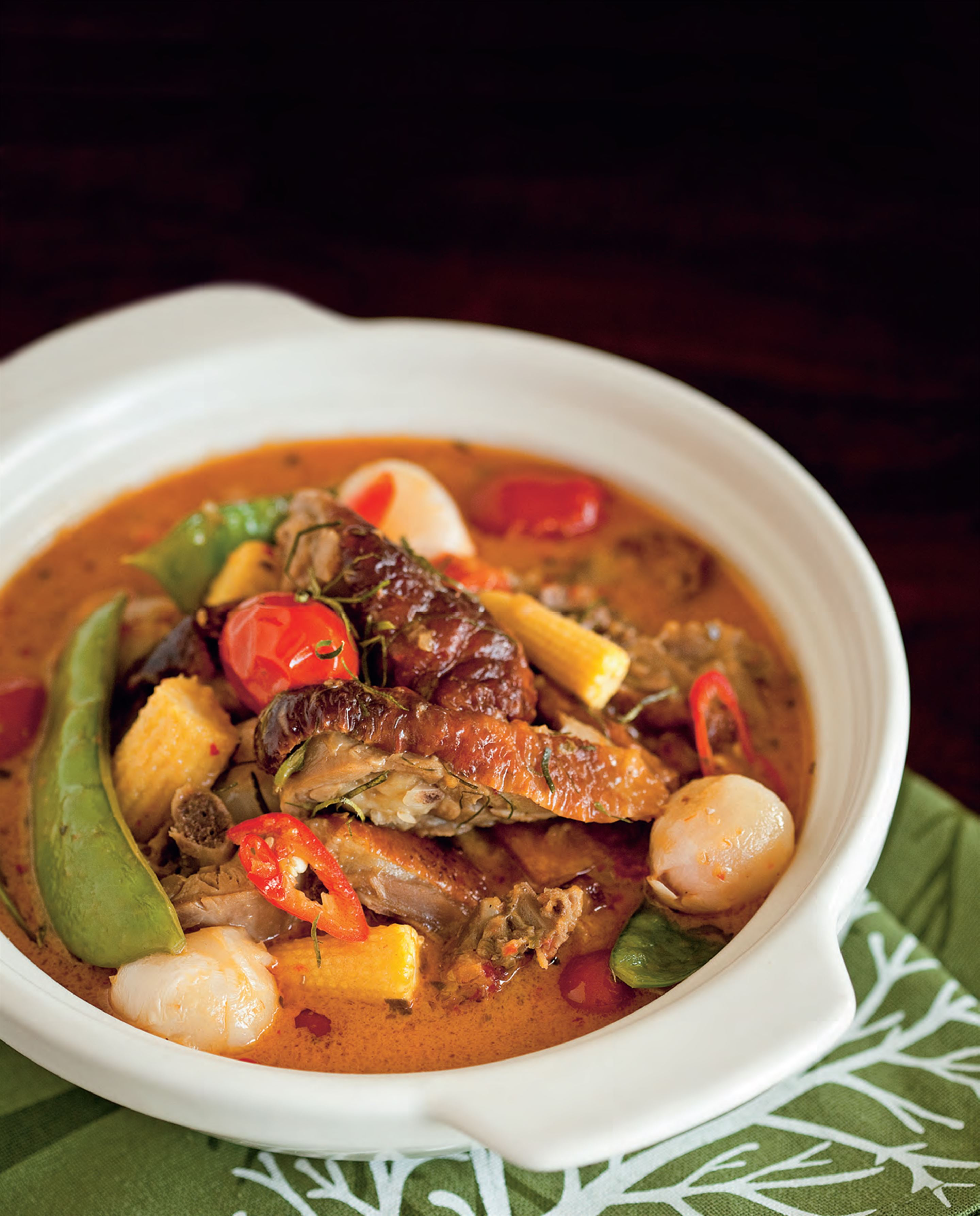 Roast duck and lychee red curry
