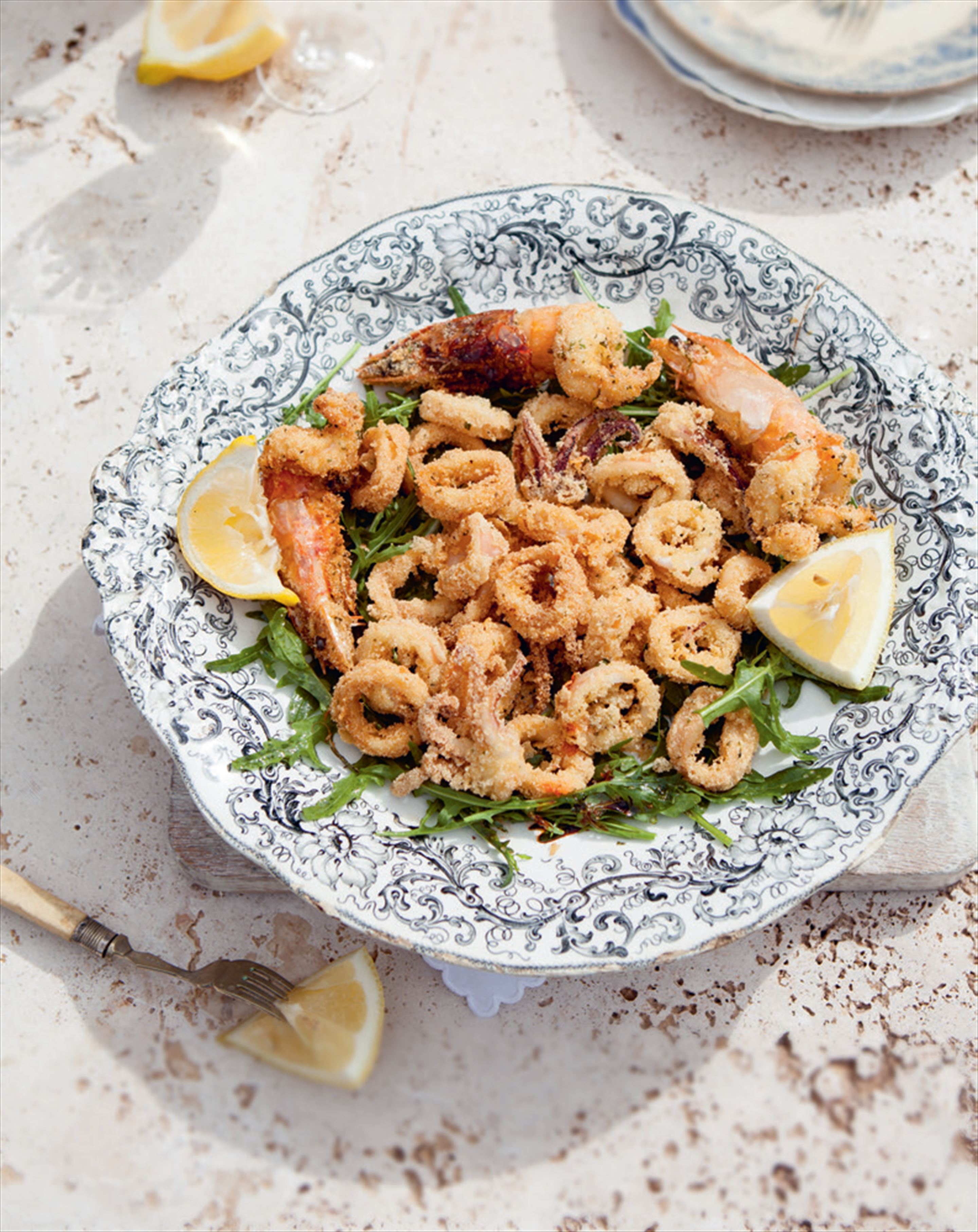 Crispy battered squid & prawns