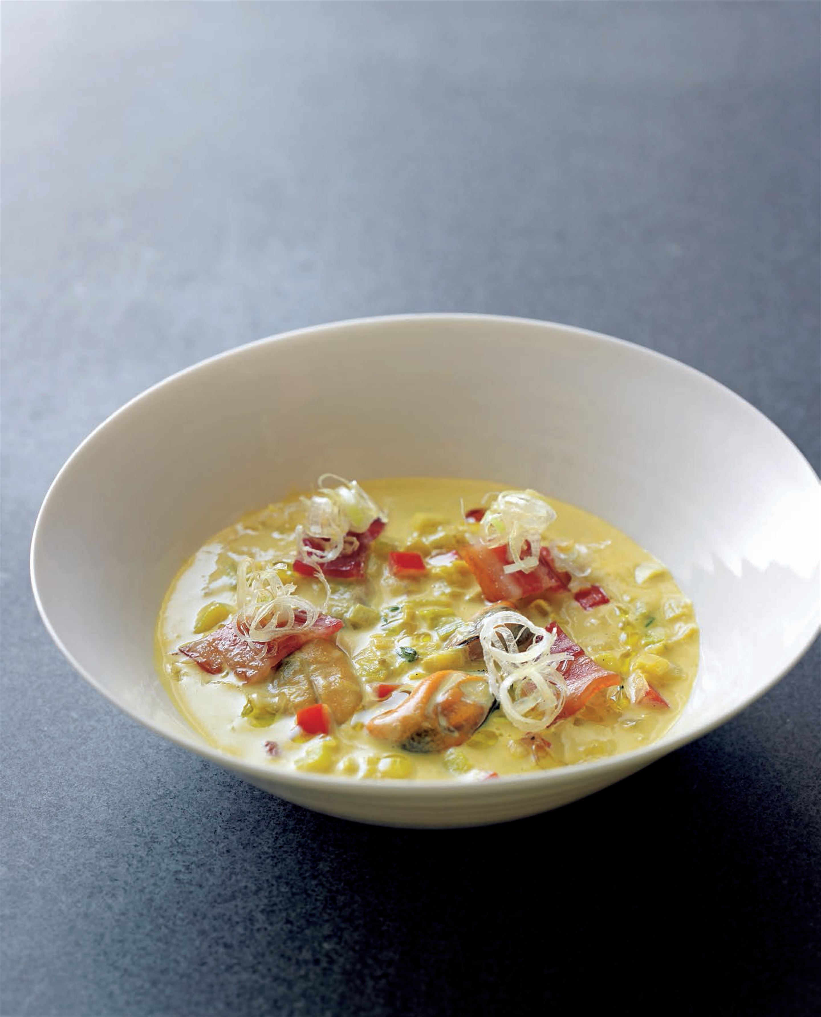 Golden mussel chowder