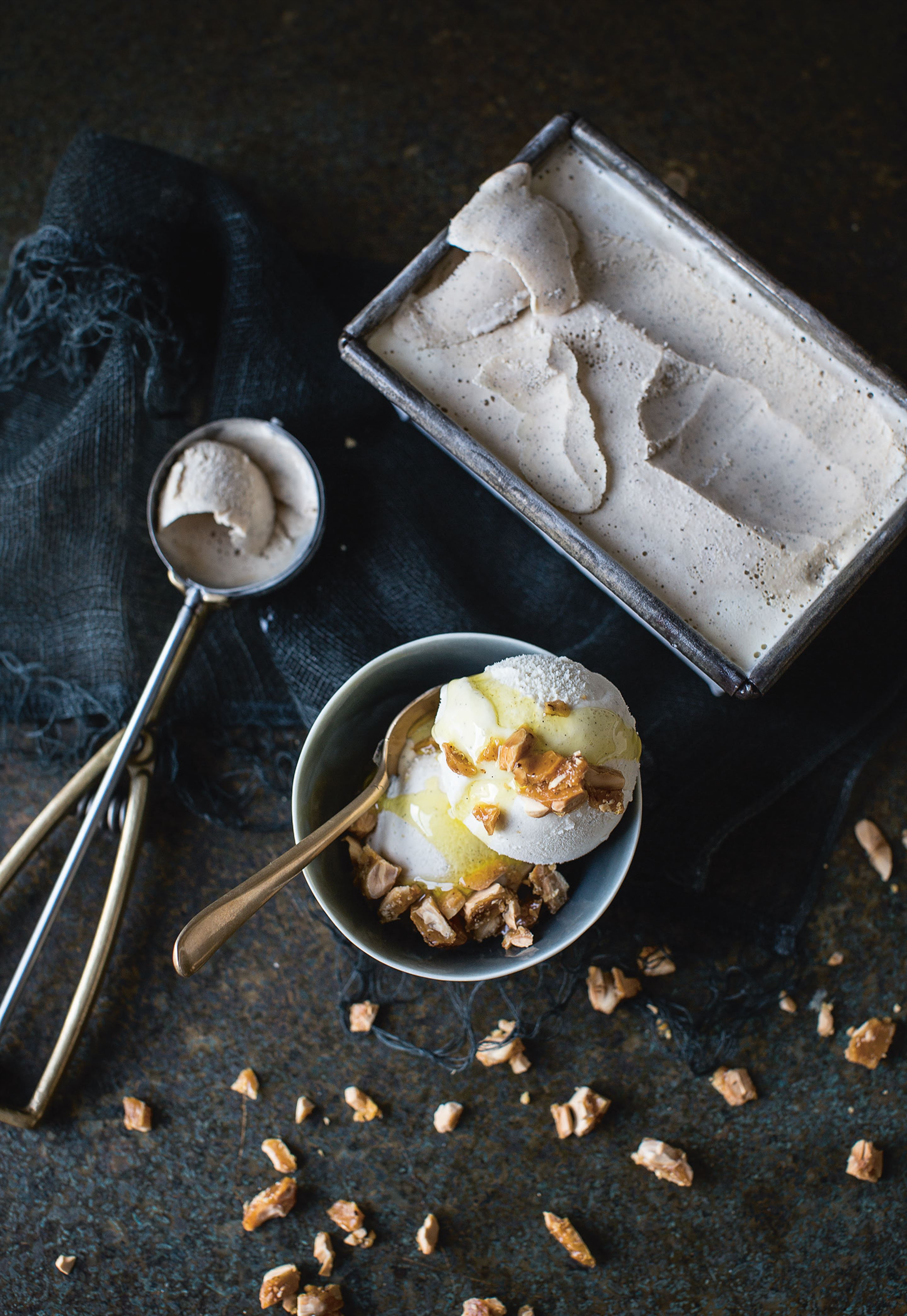Vanilla ice-cream with olive oil