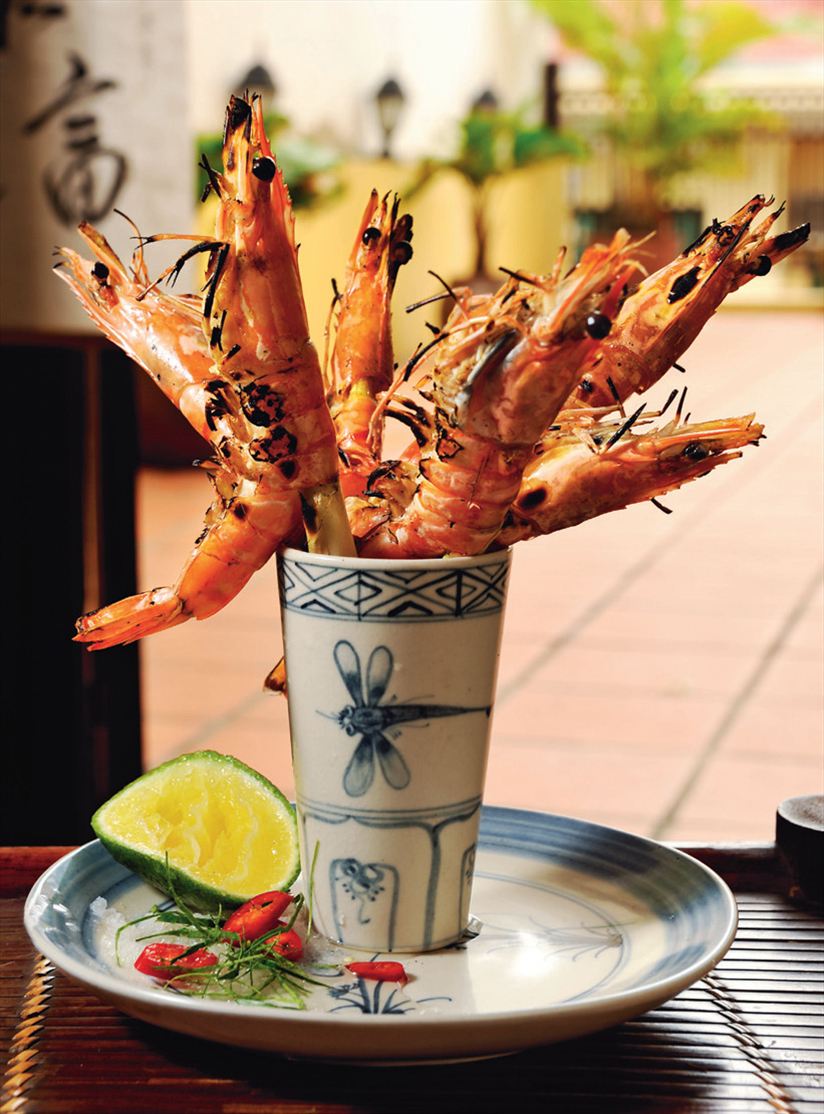 Barbecued prawns with lemongrass