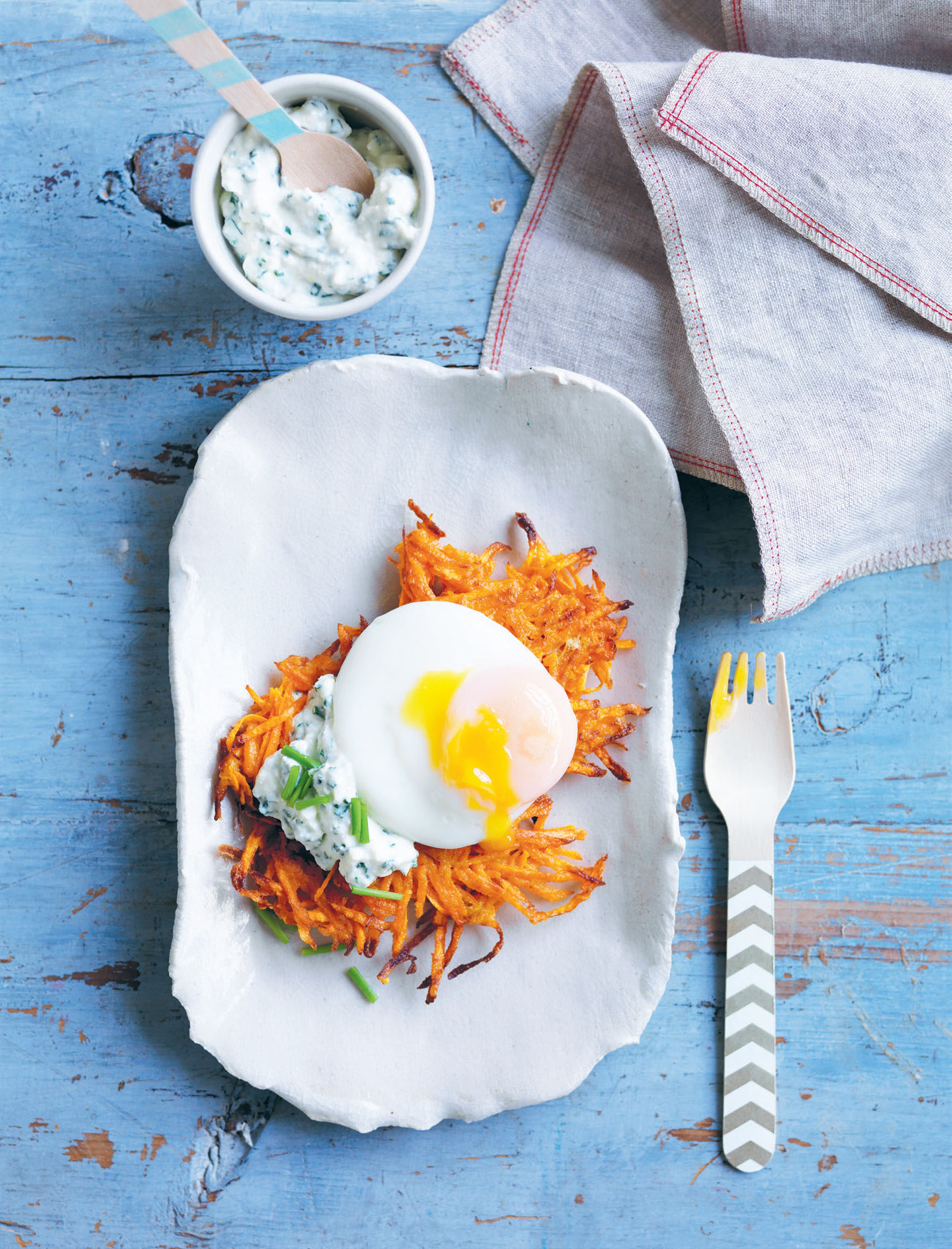 Sweet potato rösti with herbed ricotta and poached egg