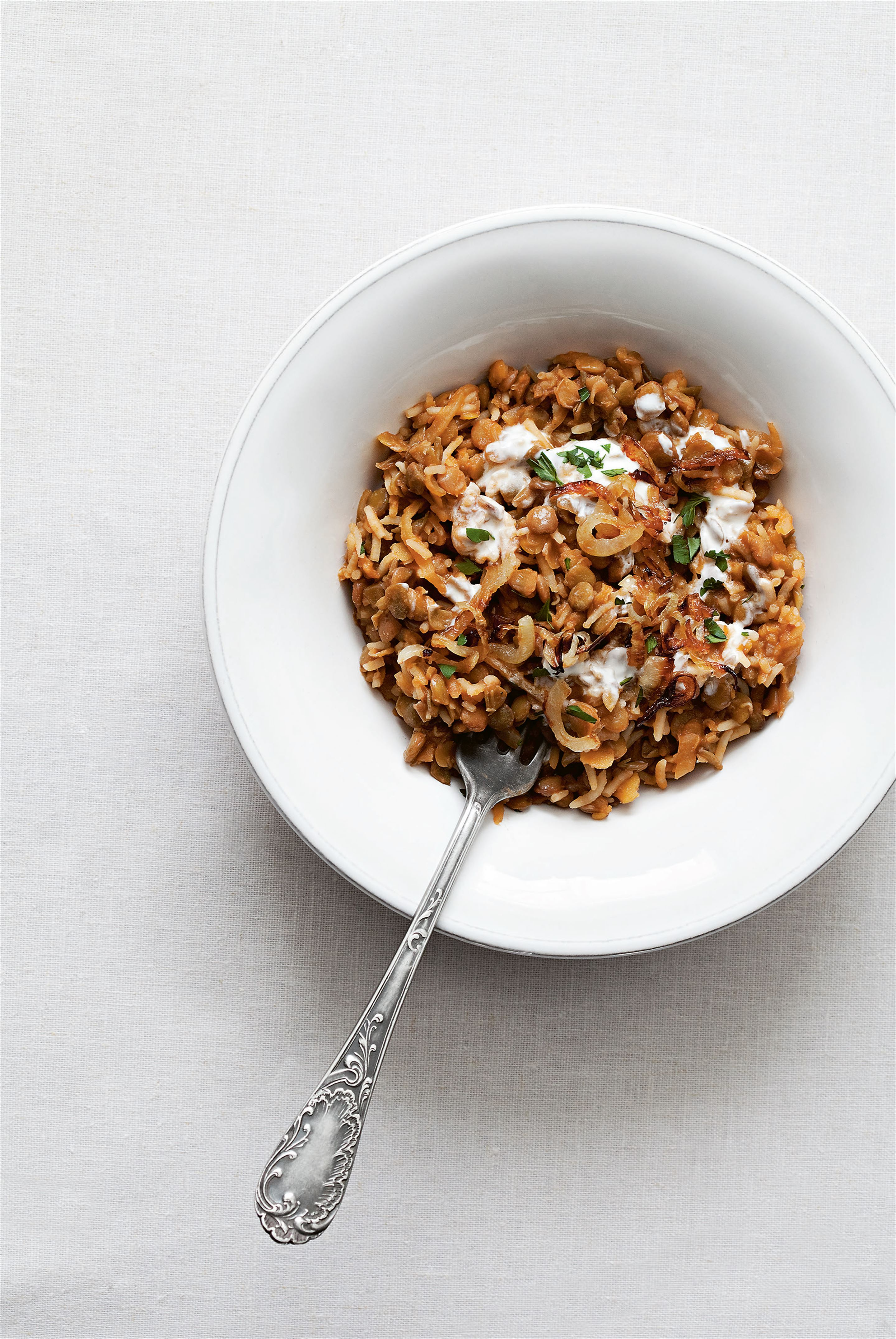 Rice with lentils & crispy onions