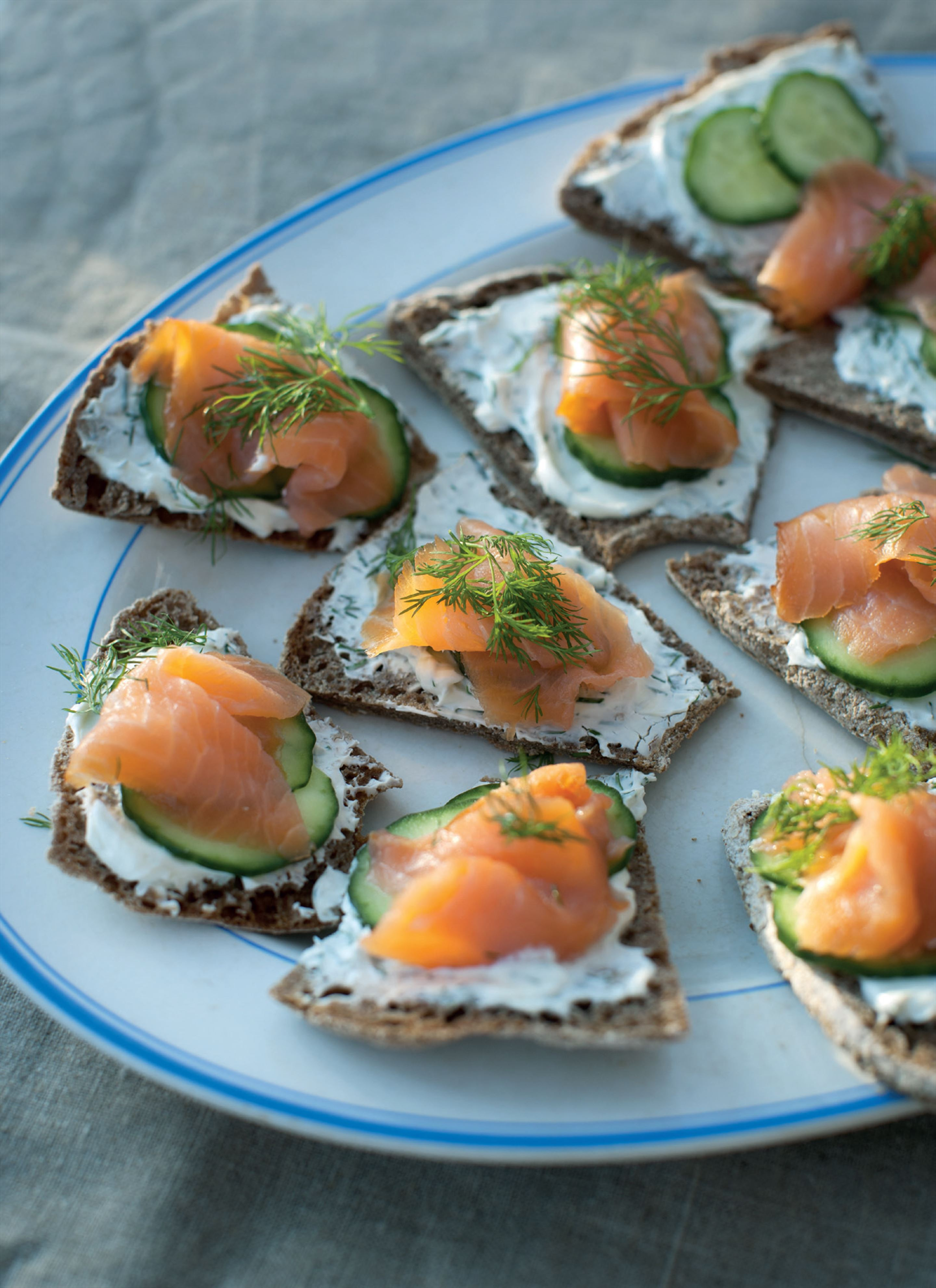 Open salmon sandwich on ruis bread