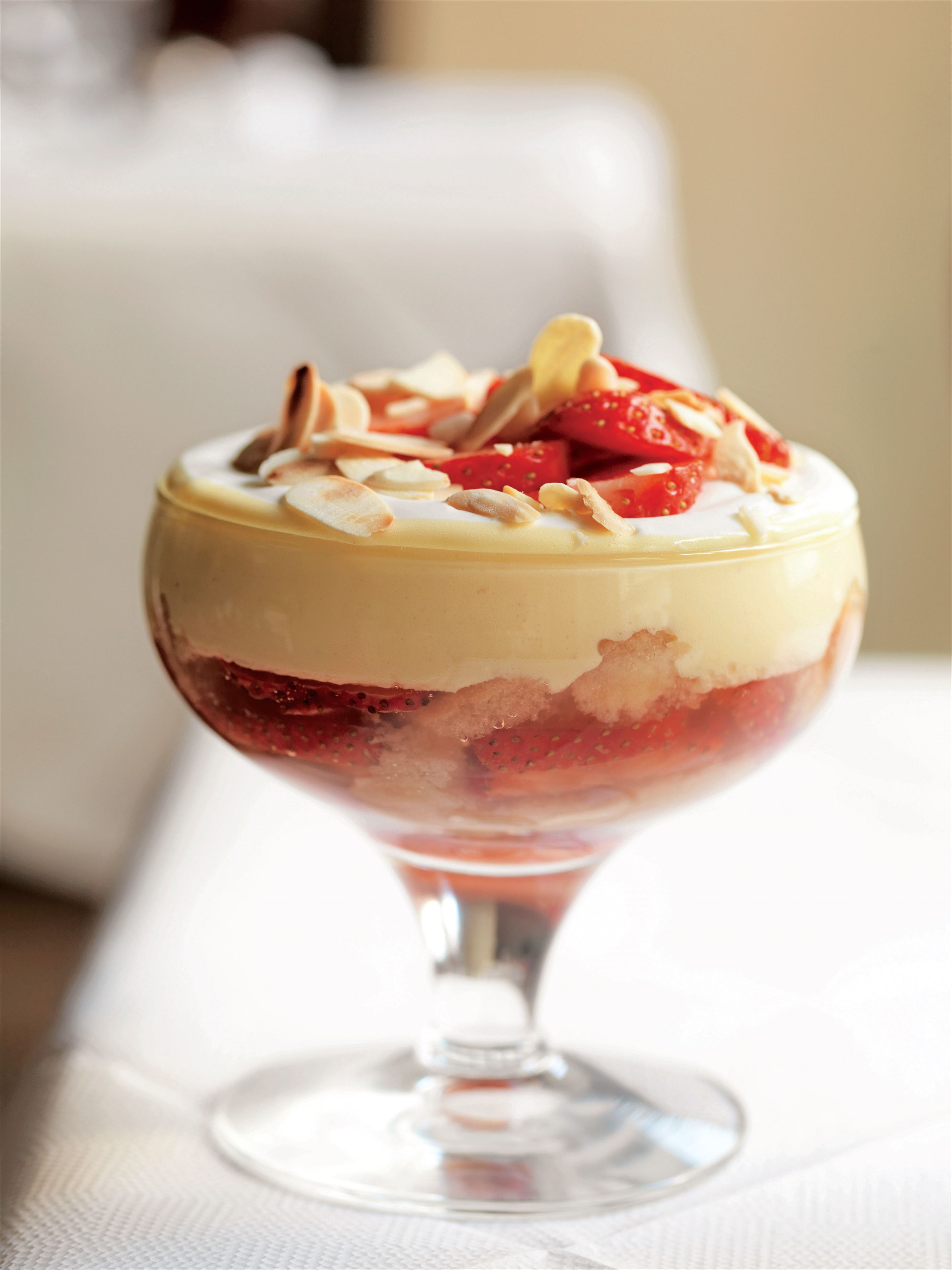 White port and strawberry trifle