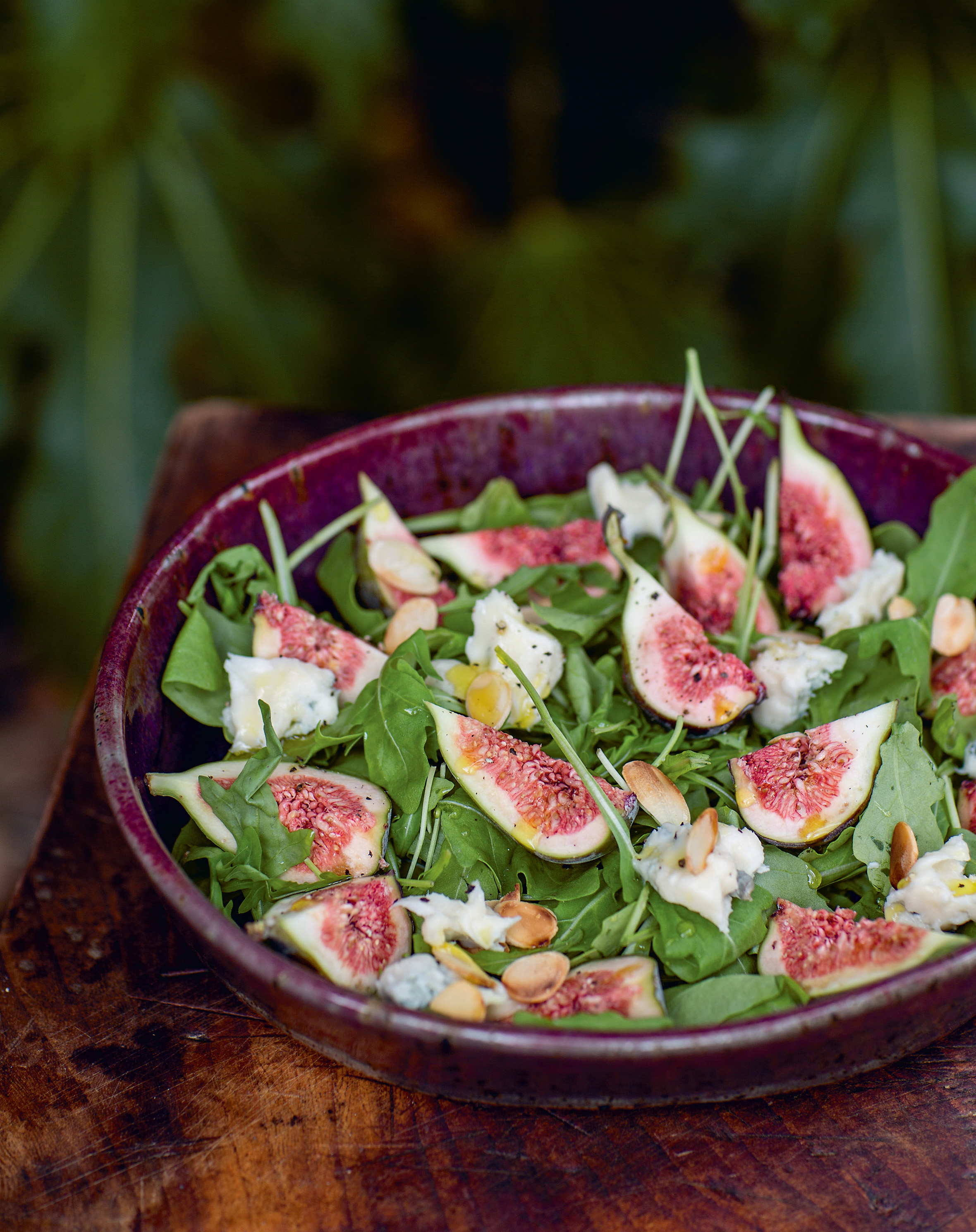 Fig, rocket + gorgonzola salad with toasted almonds + maple dressing