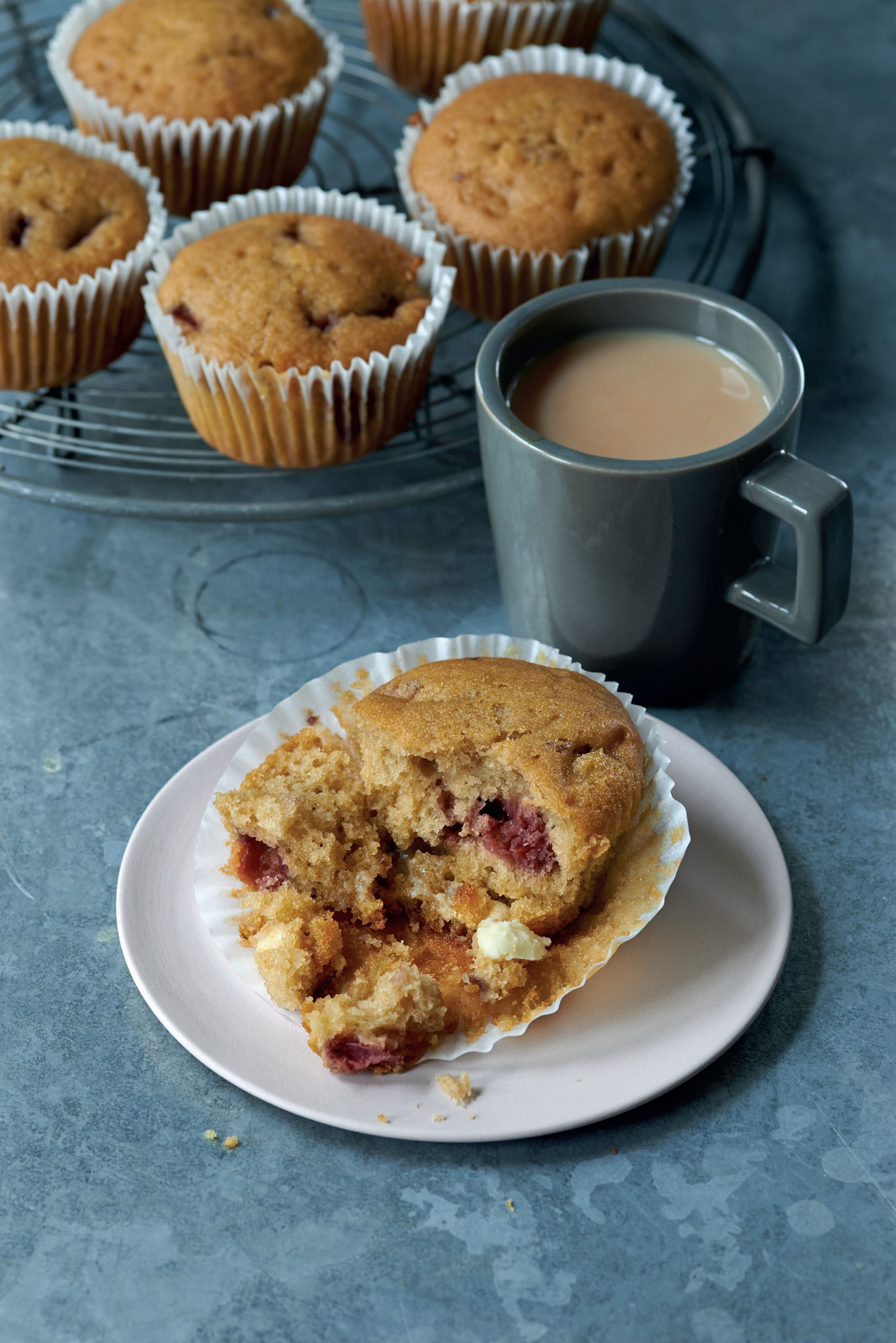 White chocolate and strawberry muffins