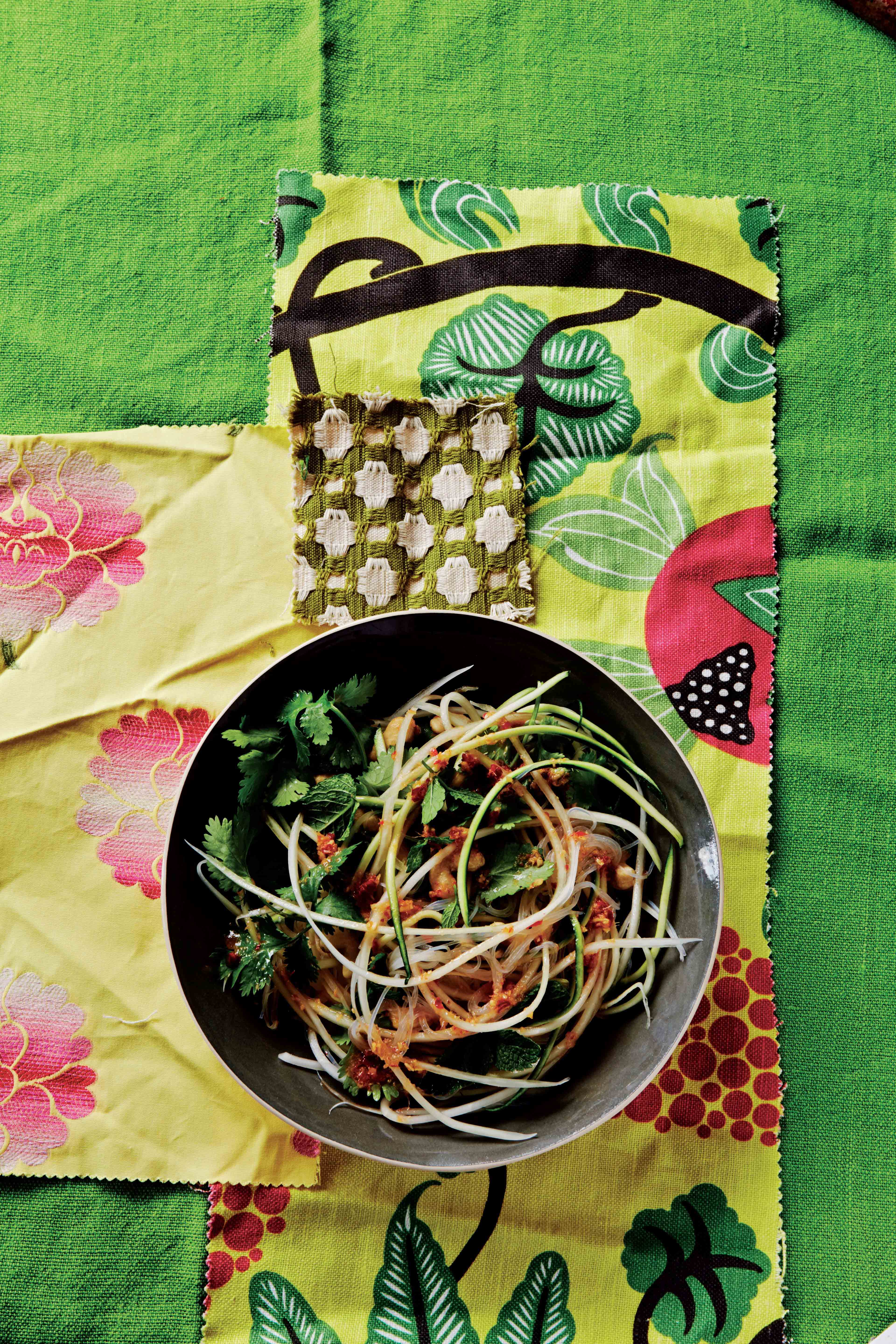 Green papaya & courgette fettuccine with thread noodles & cashews