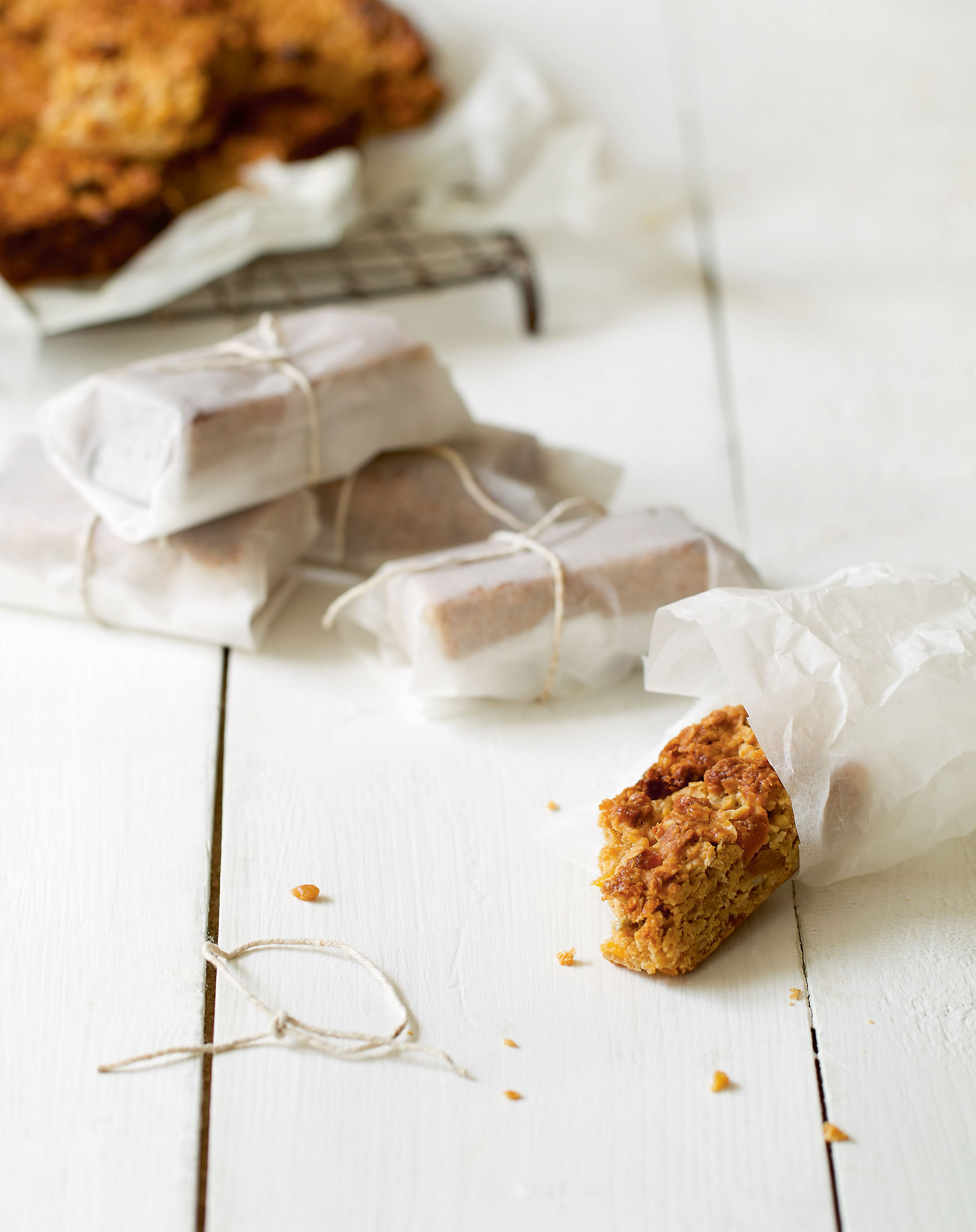 Toffee and apricot breakfast bars