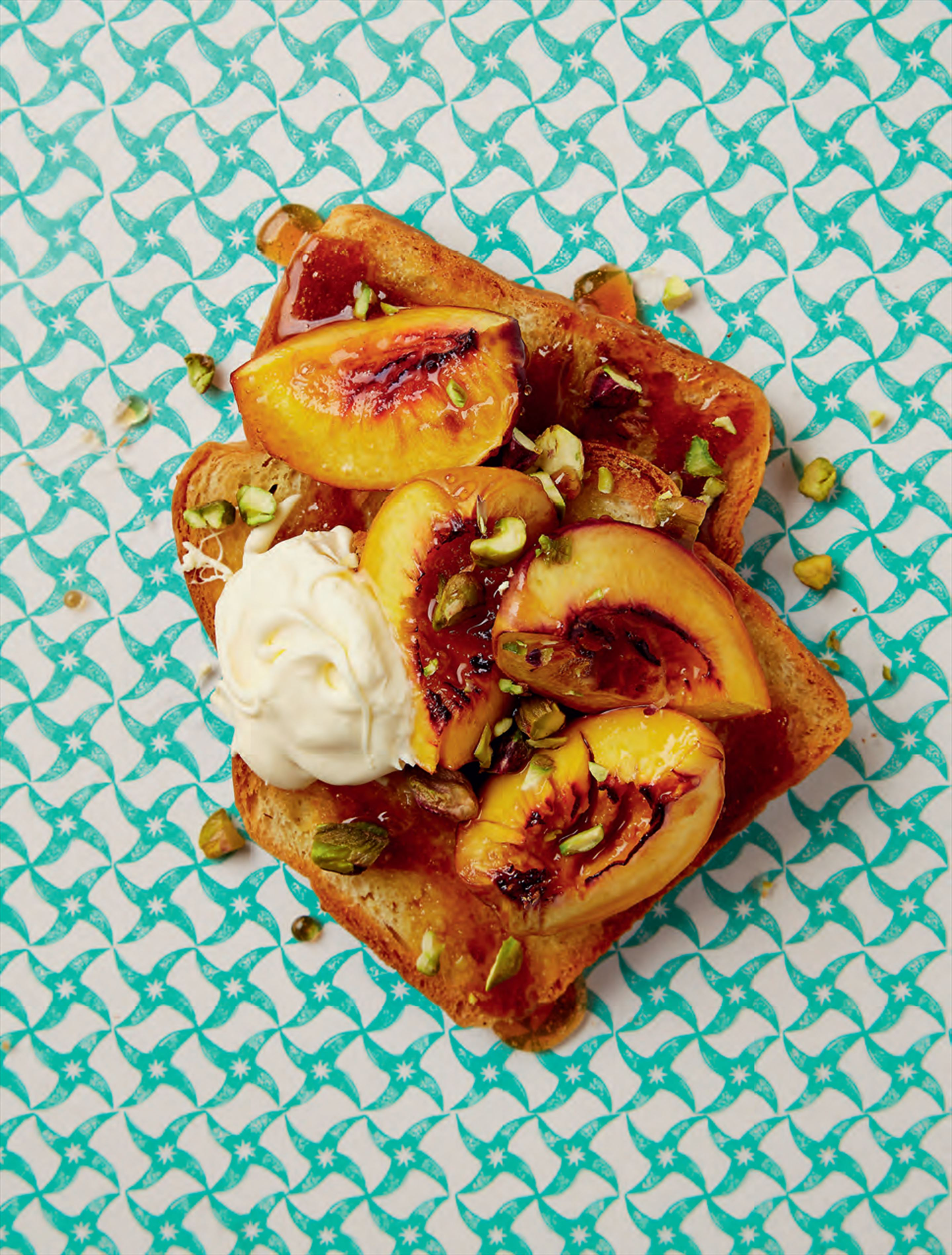 Brioche toast peaches & cream