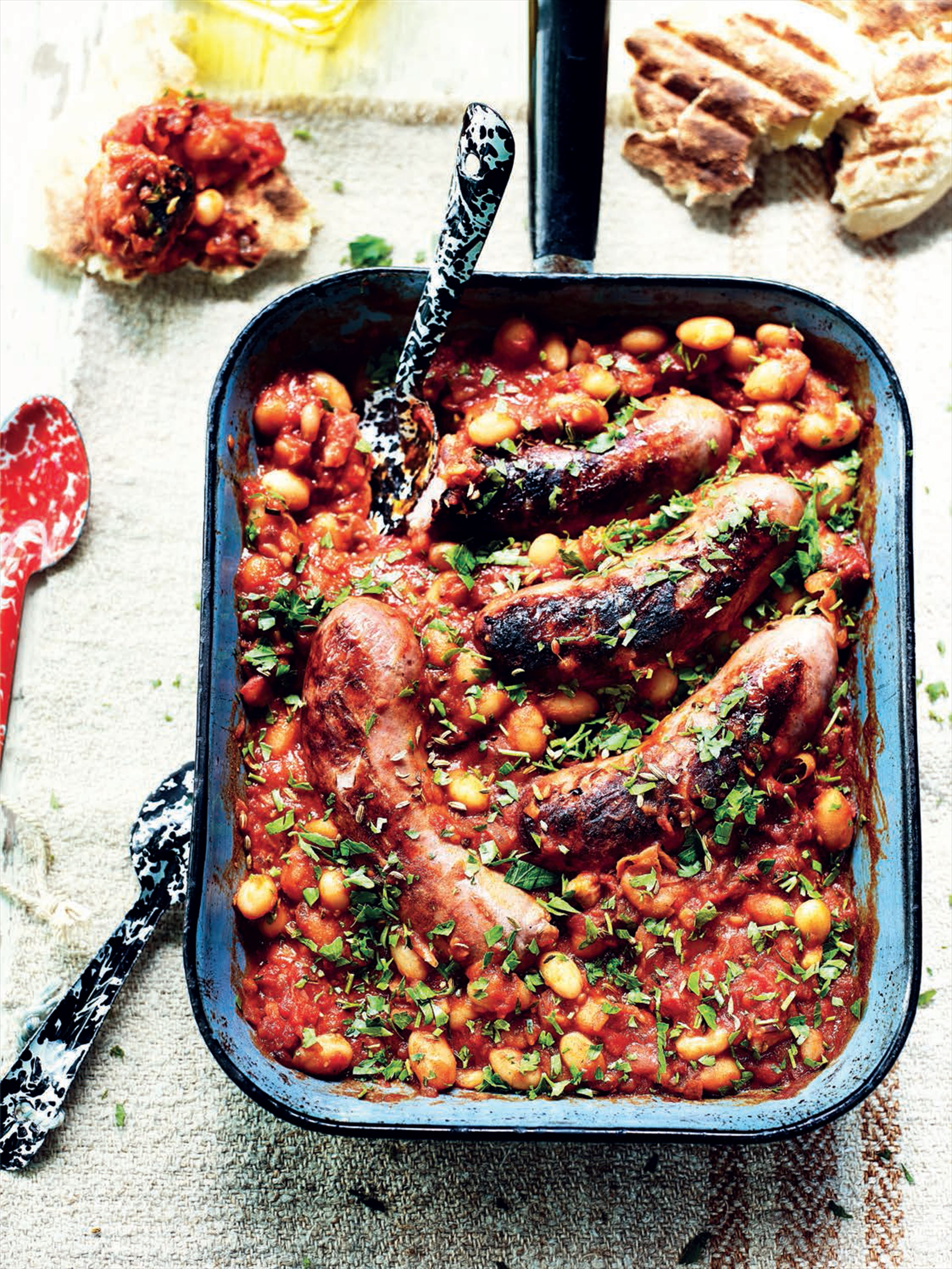 Fennel and pork sausages with cannellini beans