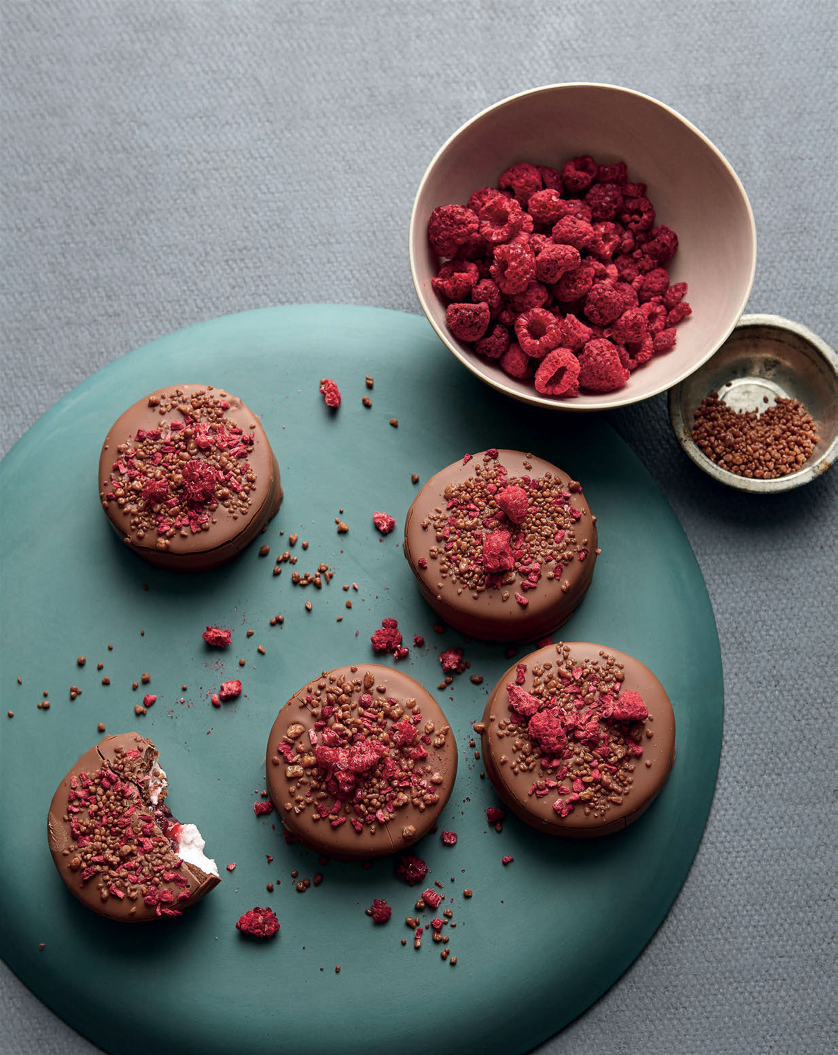 Explosive raspberry wagon wheels