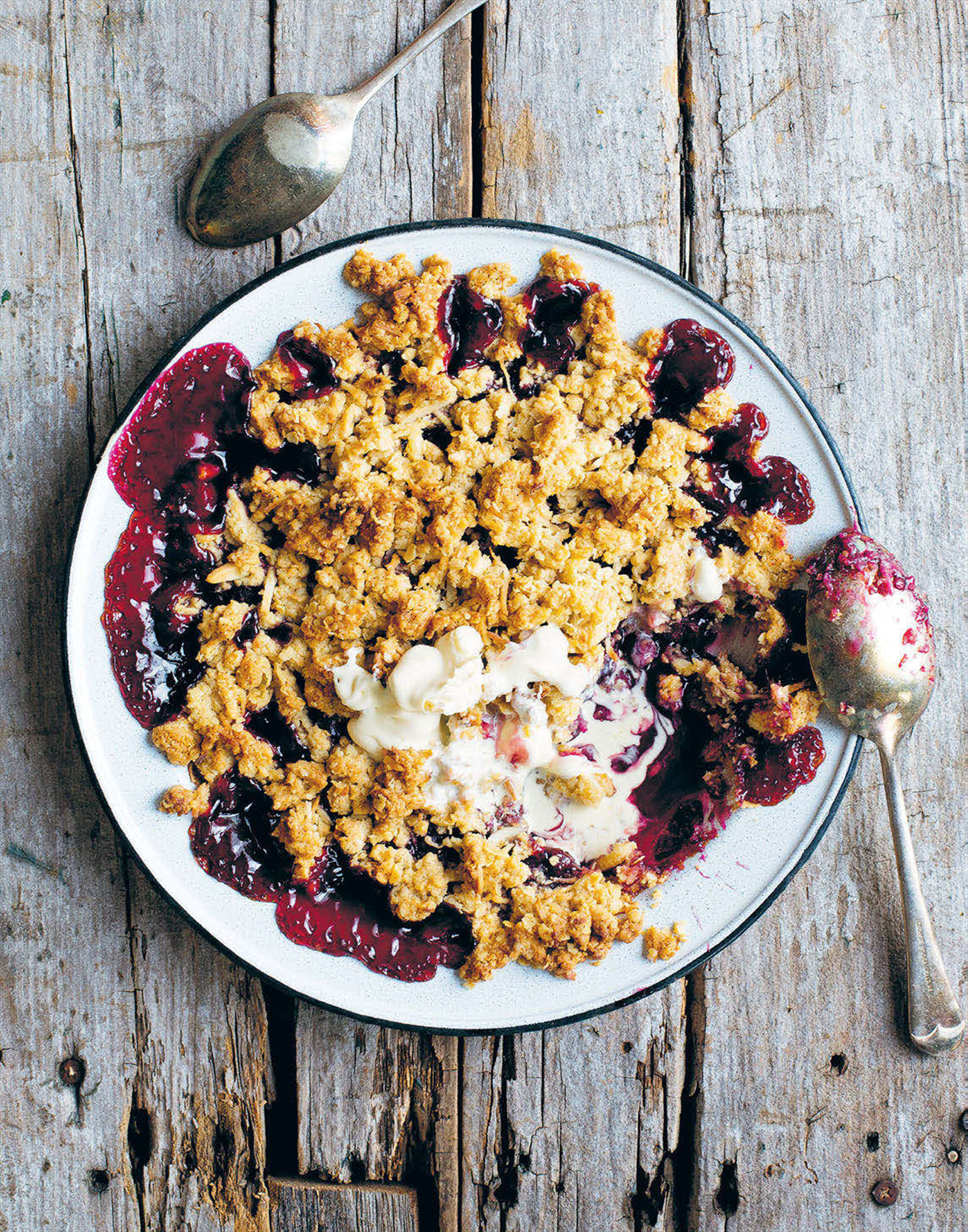 Cherry, blueberry and coconut bottomless pie