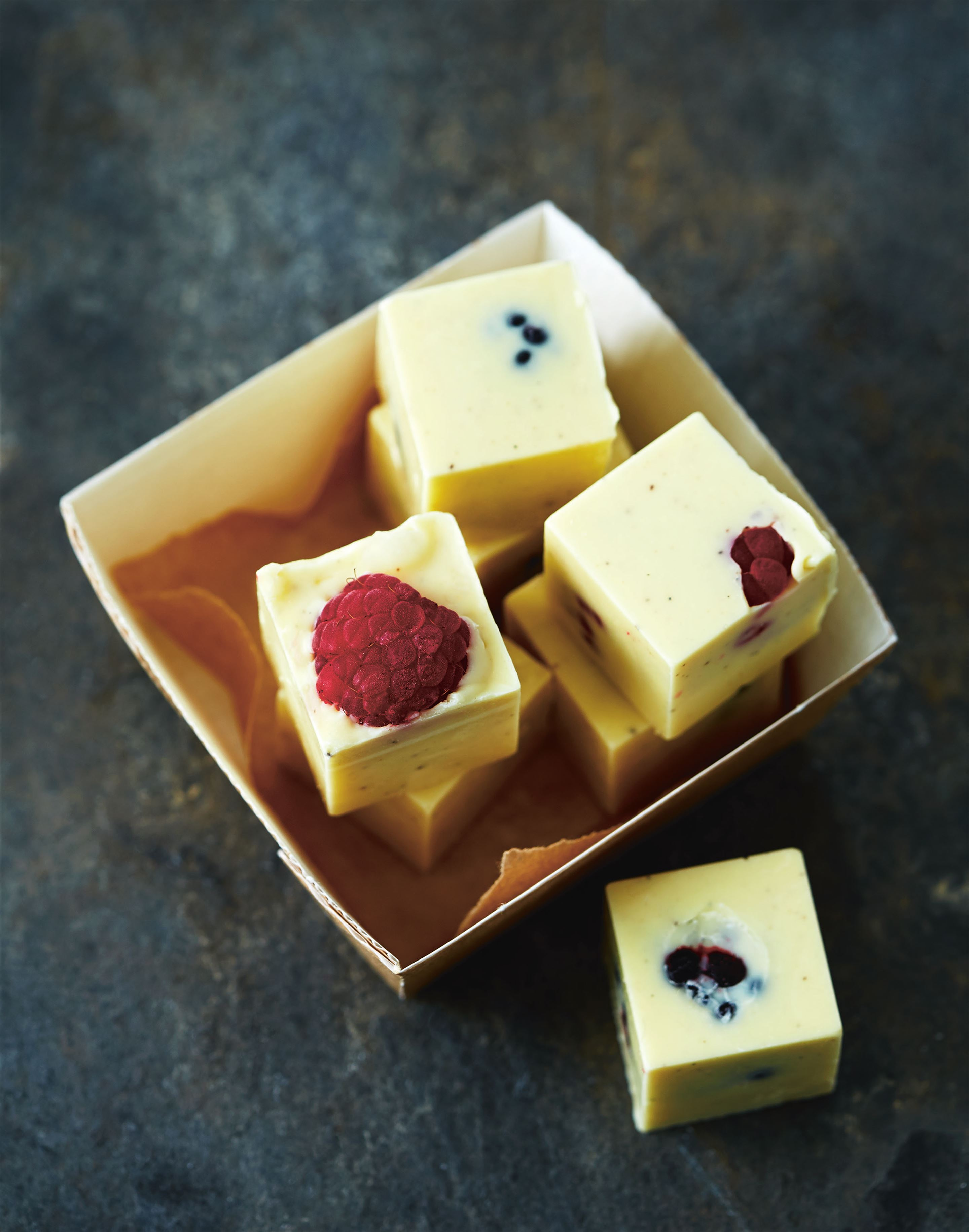 White chocolate and fresh berry bites