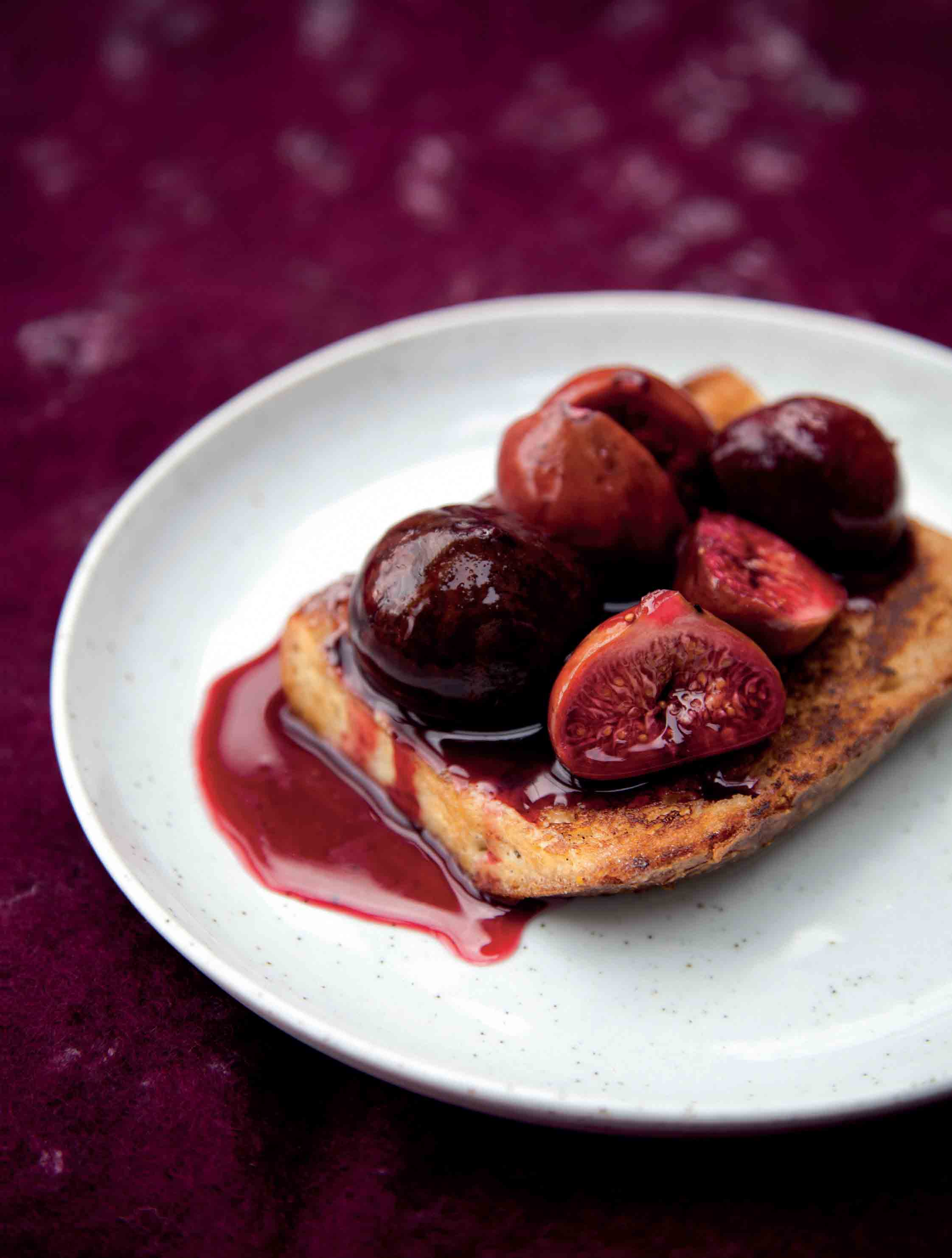 Pain perdu with roasted figs