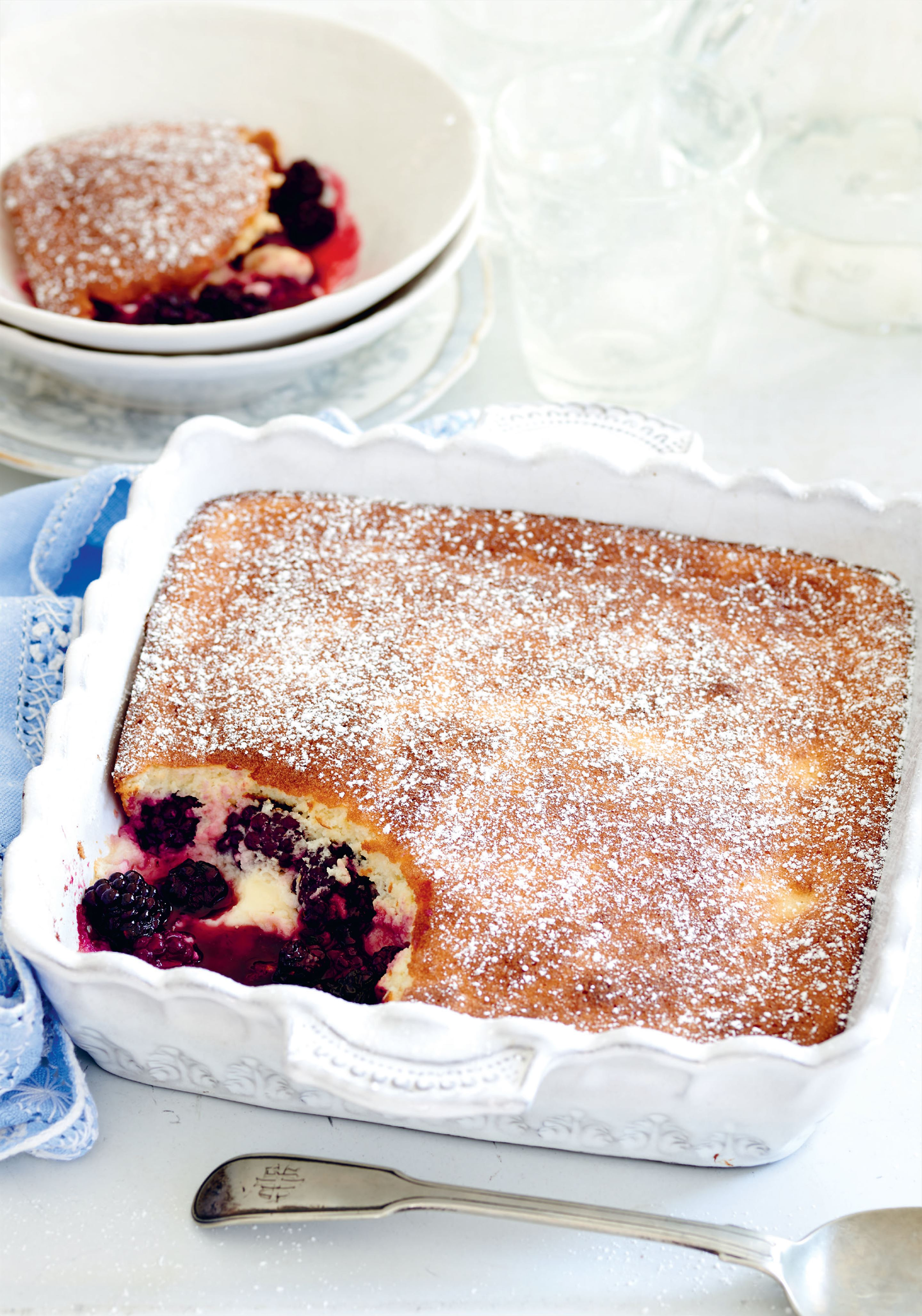 Blackberry and lemon sauce pudding