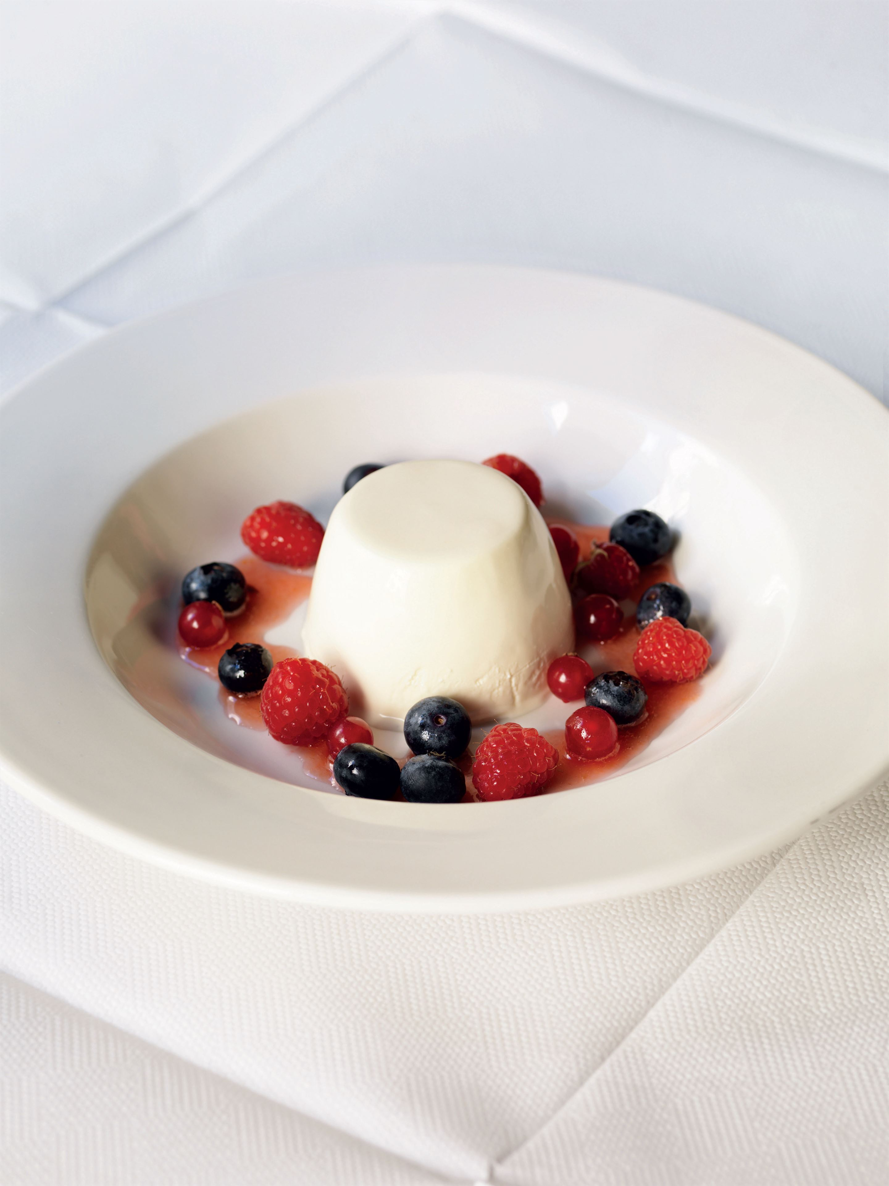 Elderflower and buttermilk pudding with summer fruits