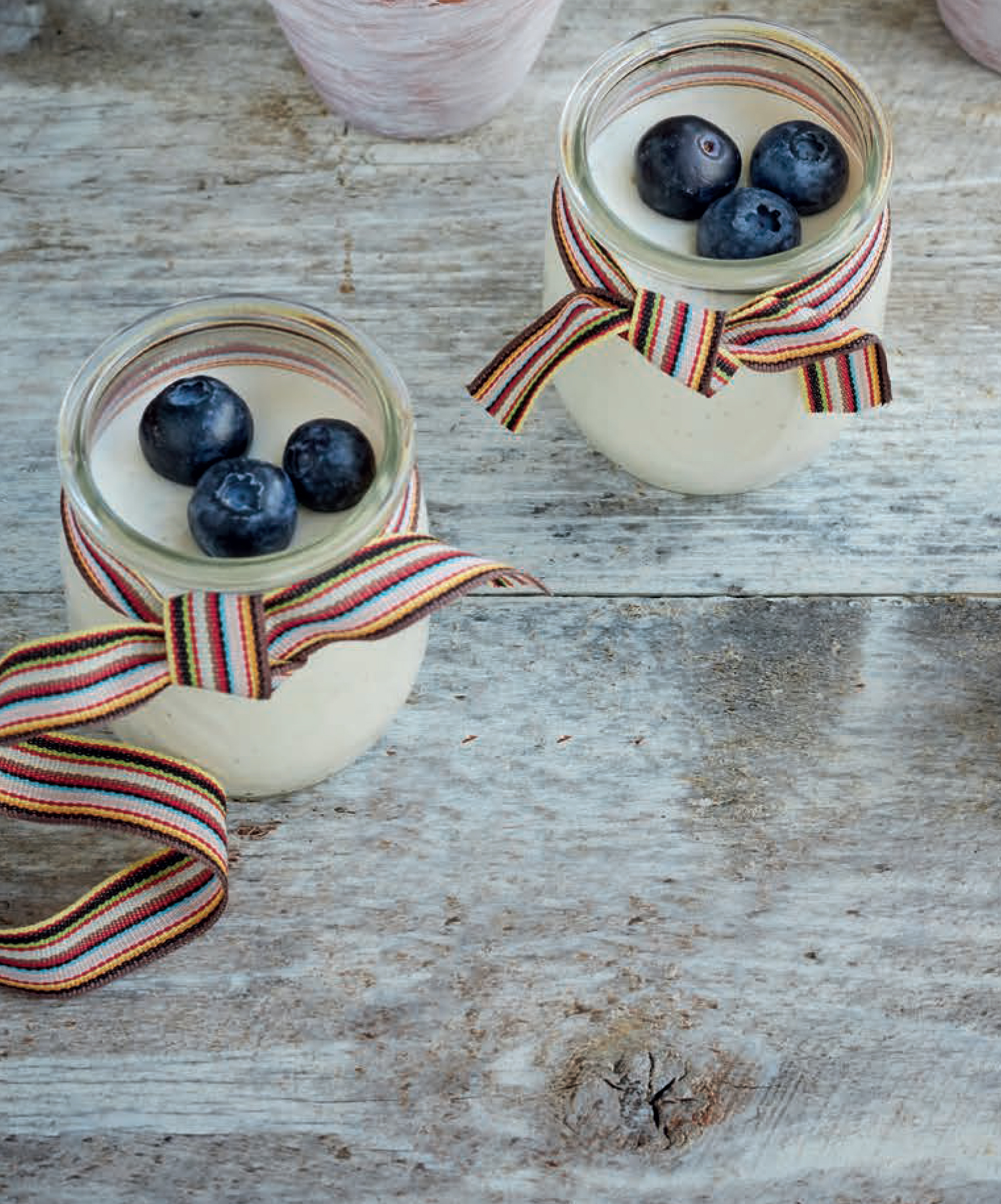 Low-fat greek yoghurt panna cotta pots