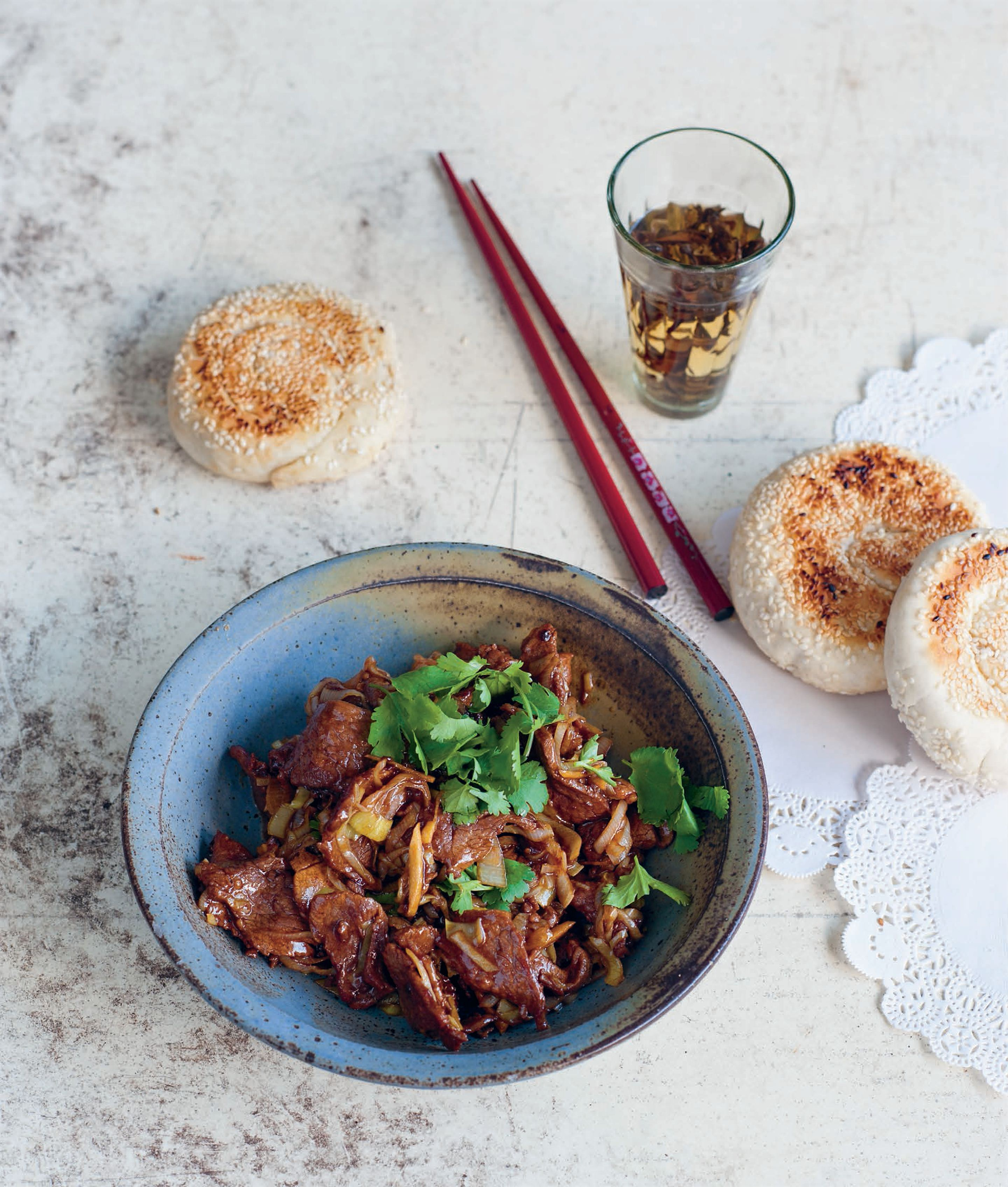Stir-fried lamb with leeks and coriander
