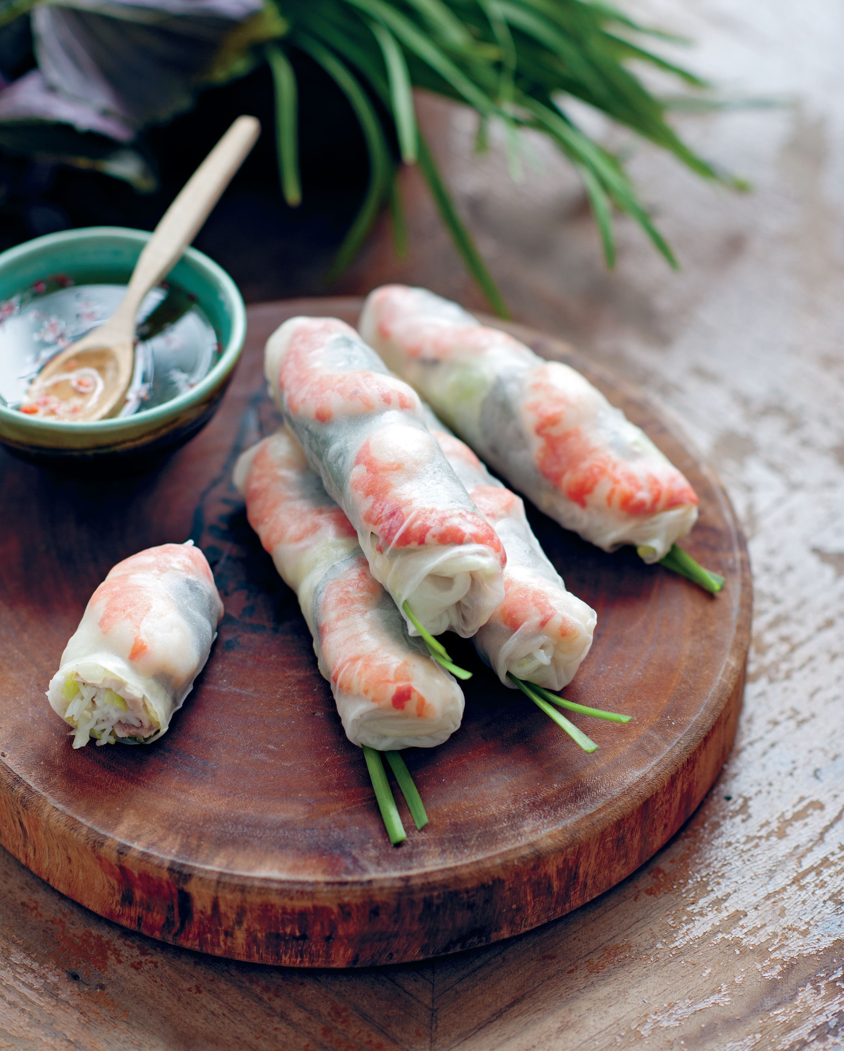 Soft rice paper rolls with prawns and pork