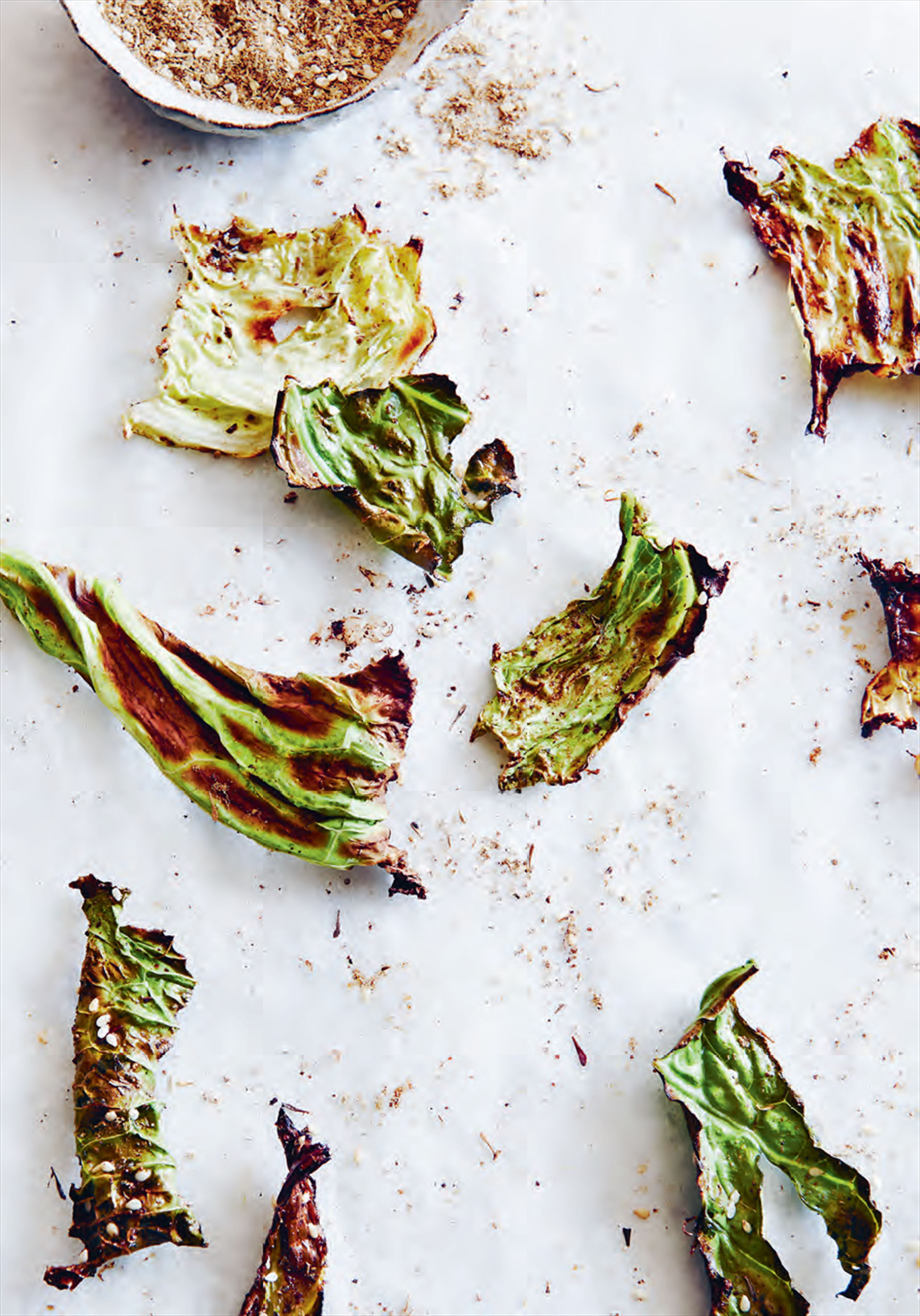 Za'atar green cabbage crisps