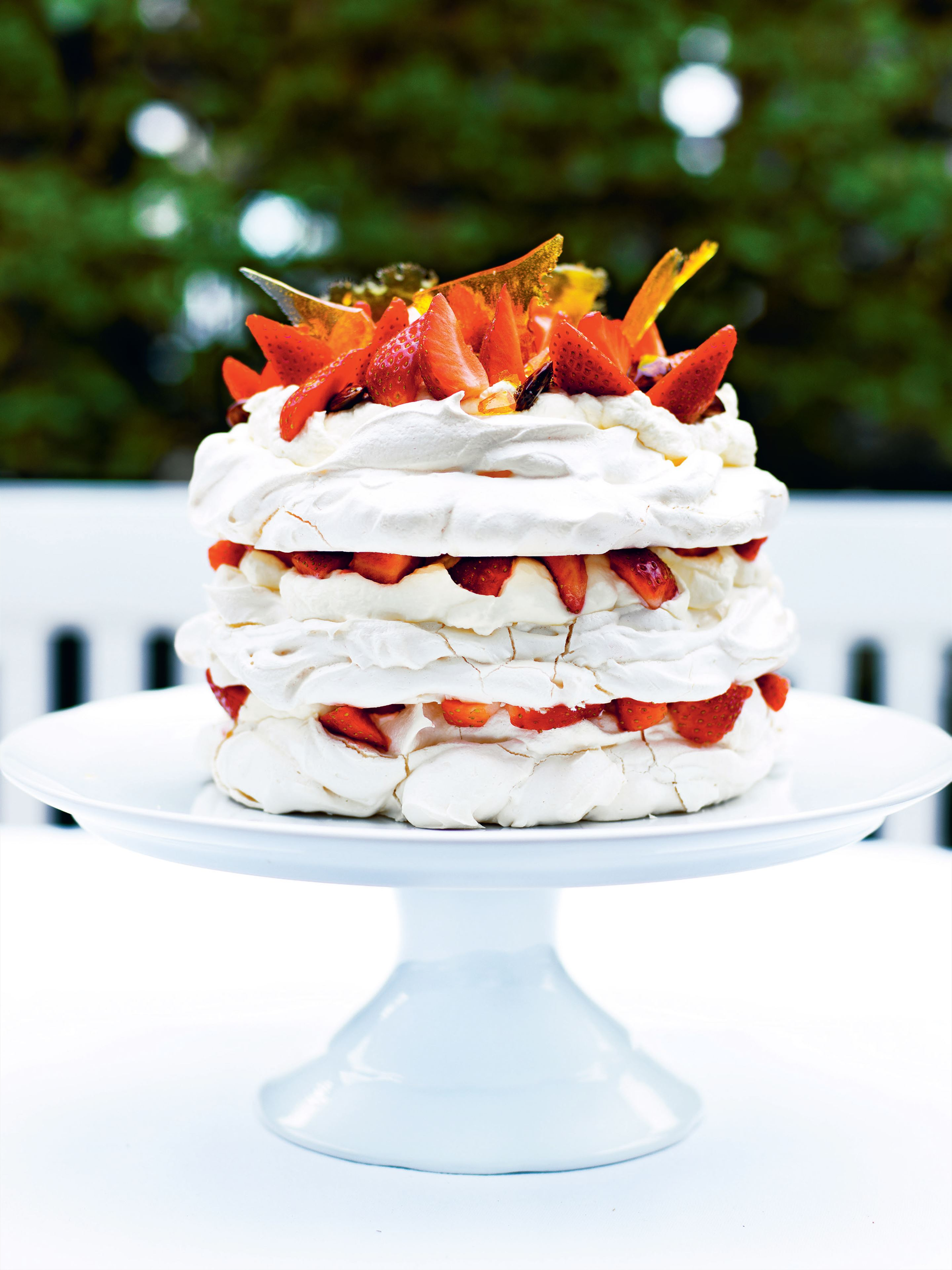Meringue layer cake