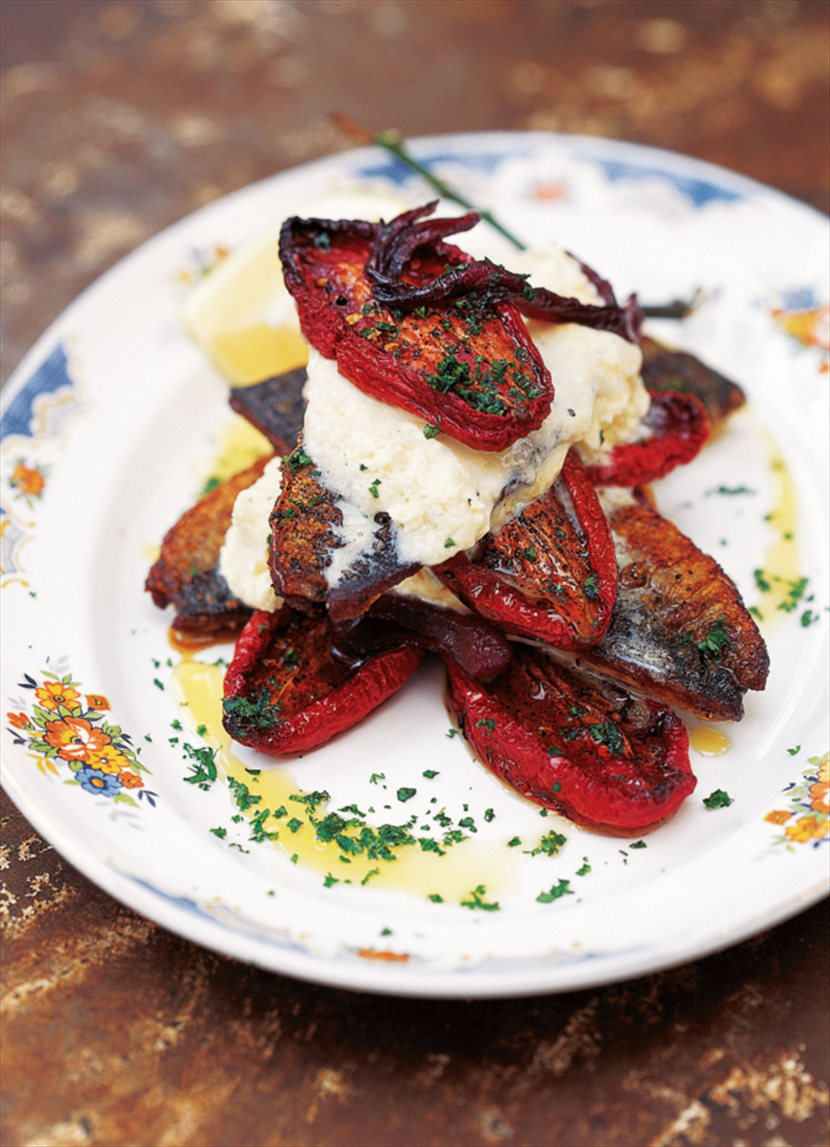 Mackerel fillets with roasted tomatoes and horseradish cream