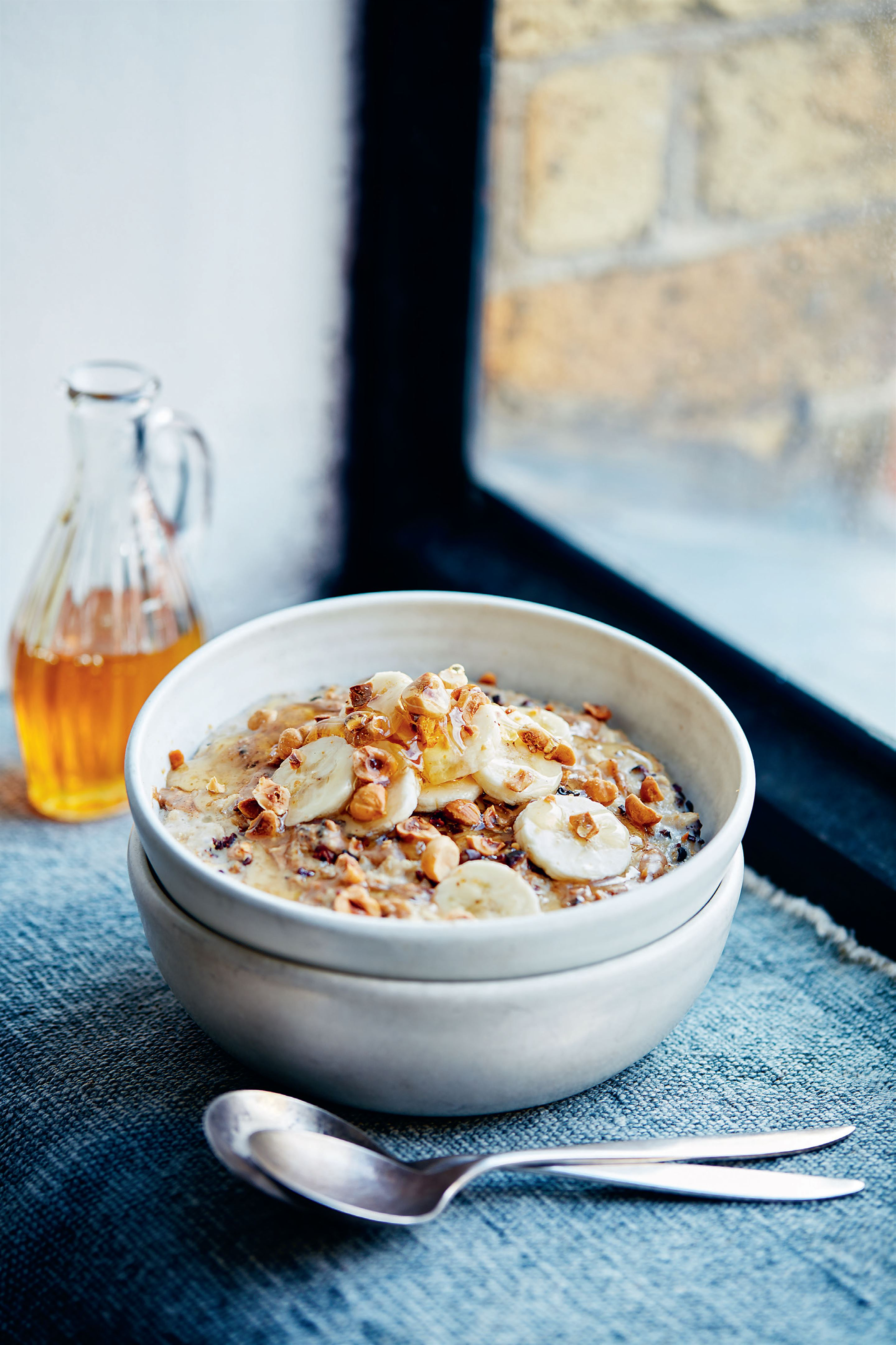 Cacao, hazelnut and banana porridge