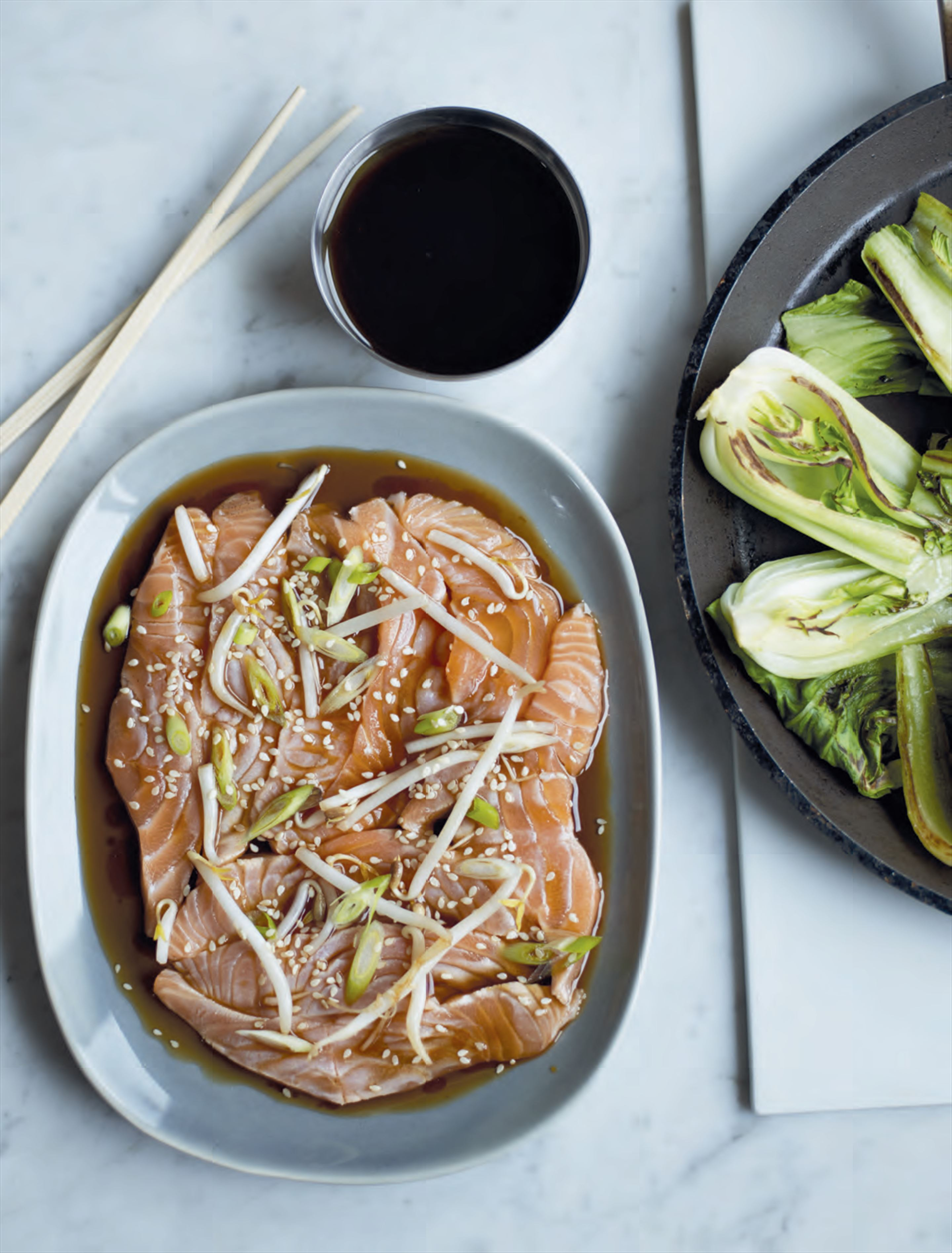 Sushi salmon with sizzling sesame oil & soy