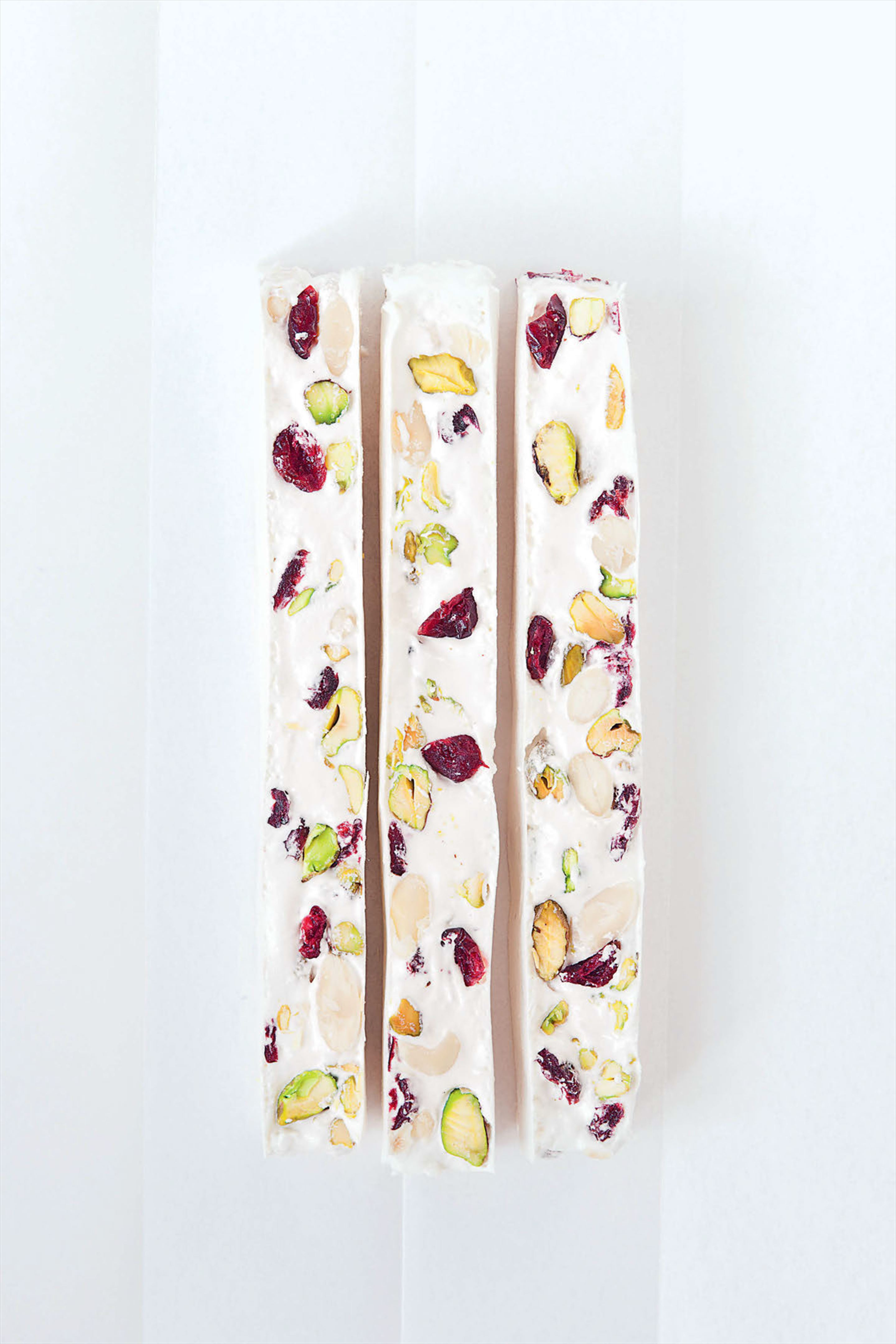 Basic nougat with pistachios, almonds and cherries