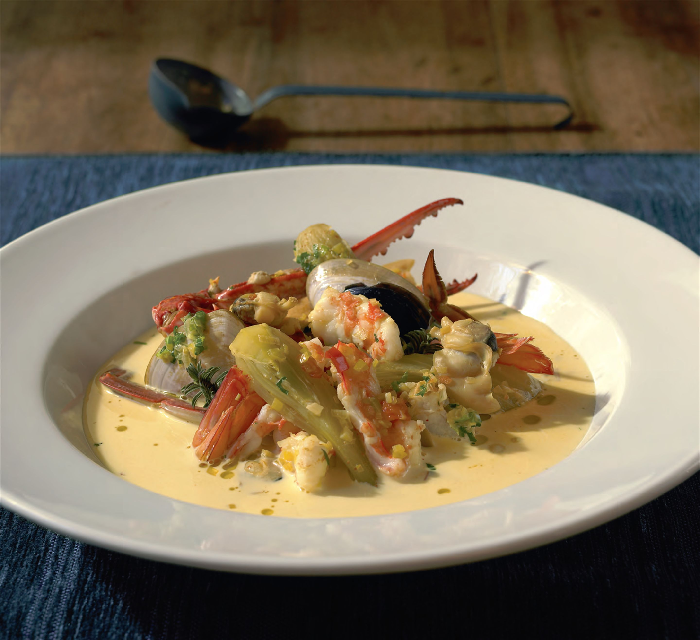 Shellfish soup with fennel and saffron