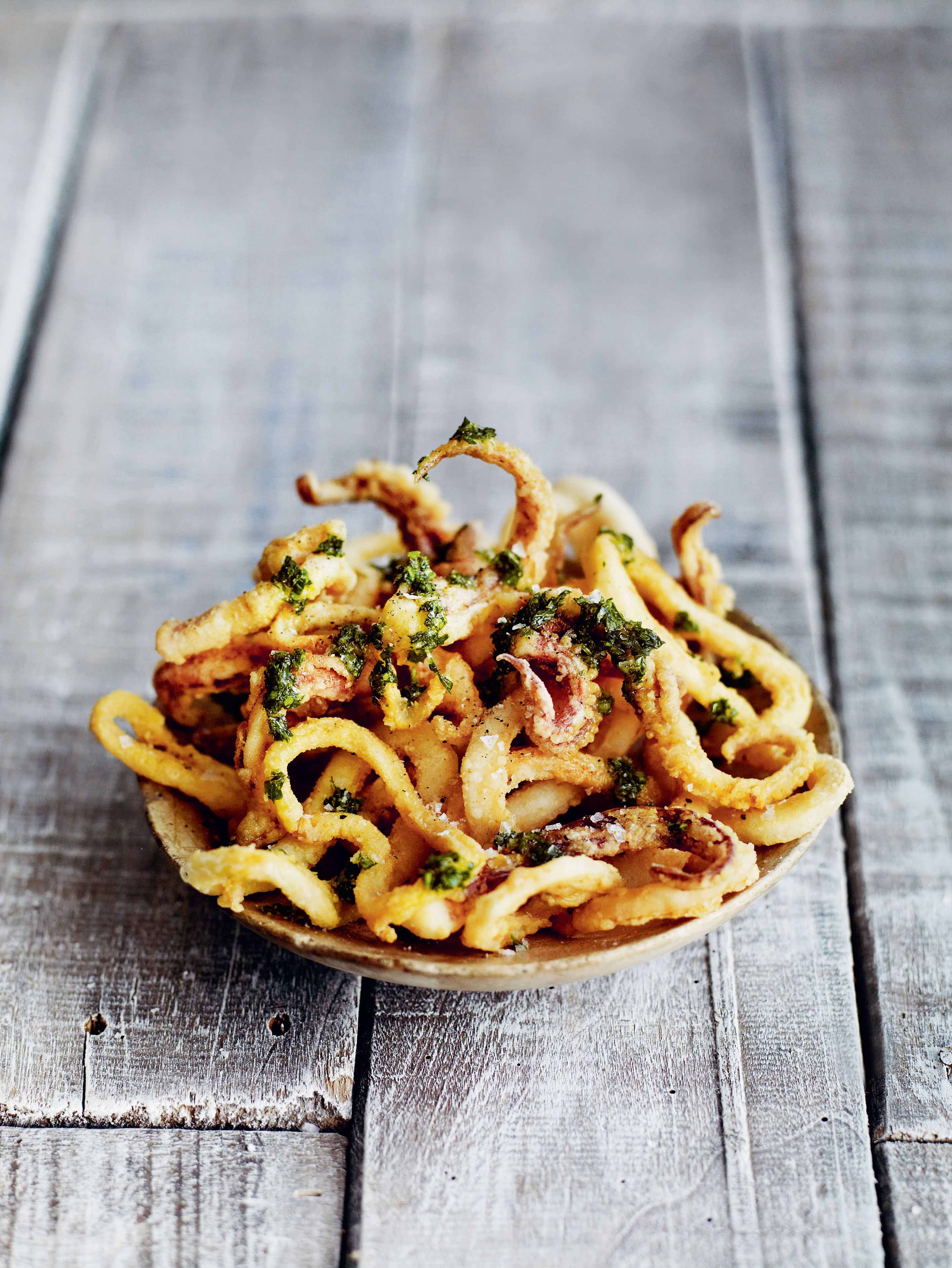 Fried squid with garlic & parsley