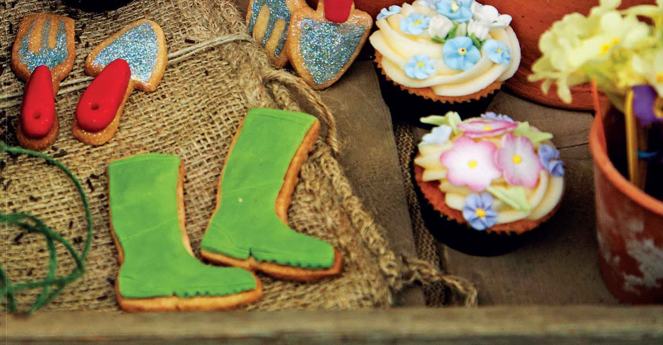 Wellies, fork and trowel biscuits