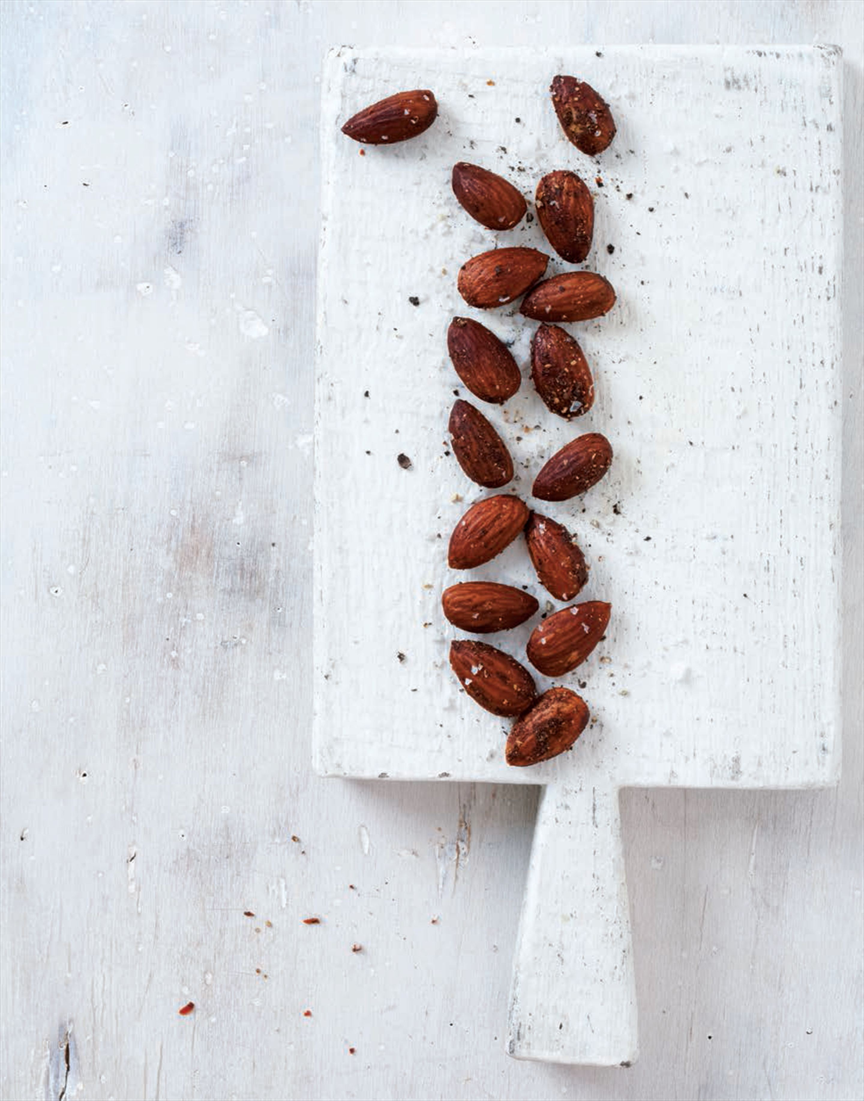 Roasted masala almonds