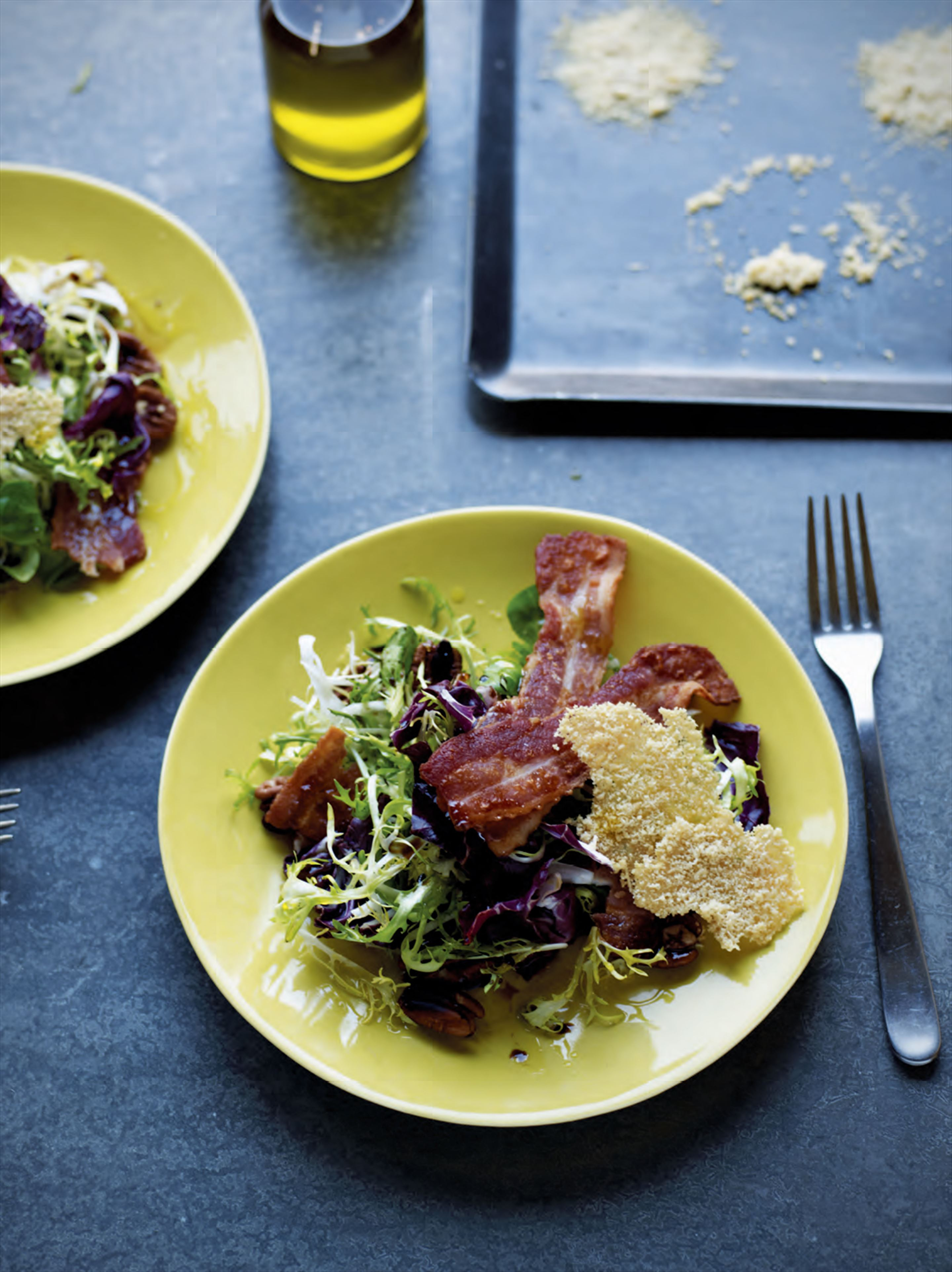 Crispy bacon & pecan salad with parmesan crisps