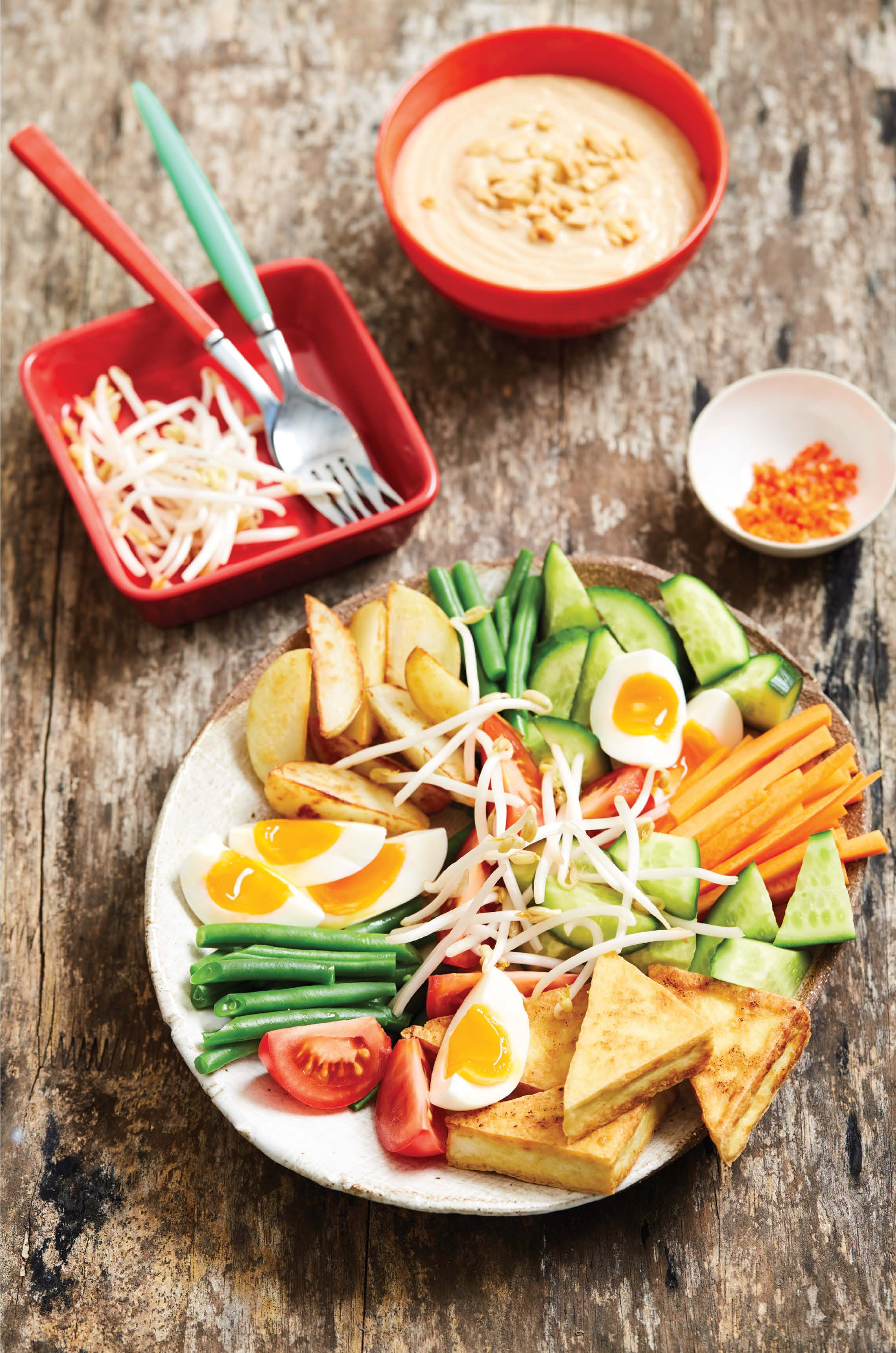 Crunchy vegetable gado gado salad