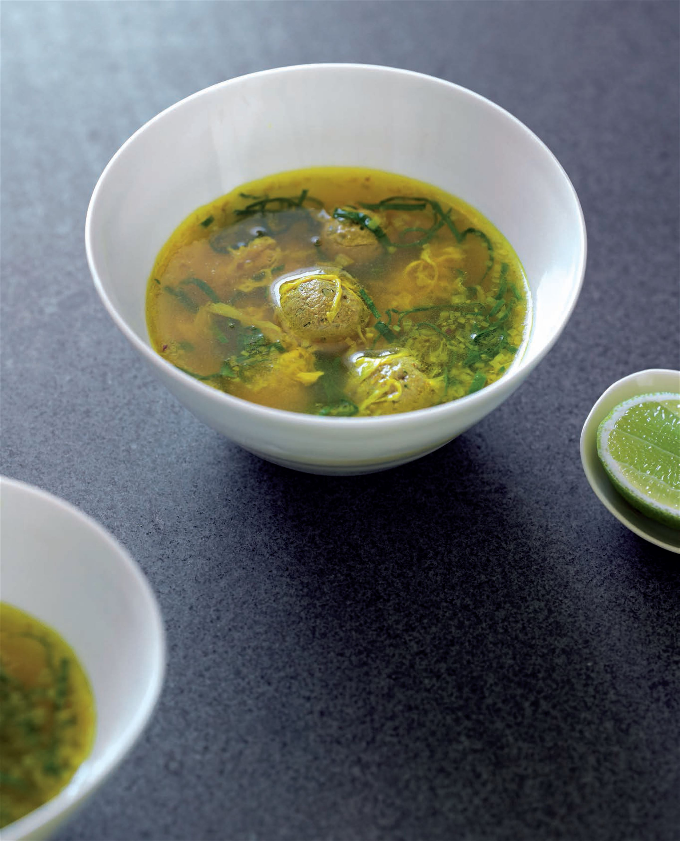 Spinach soup with little beef koofteh