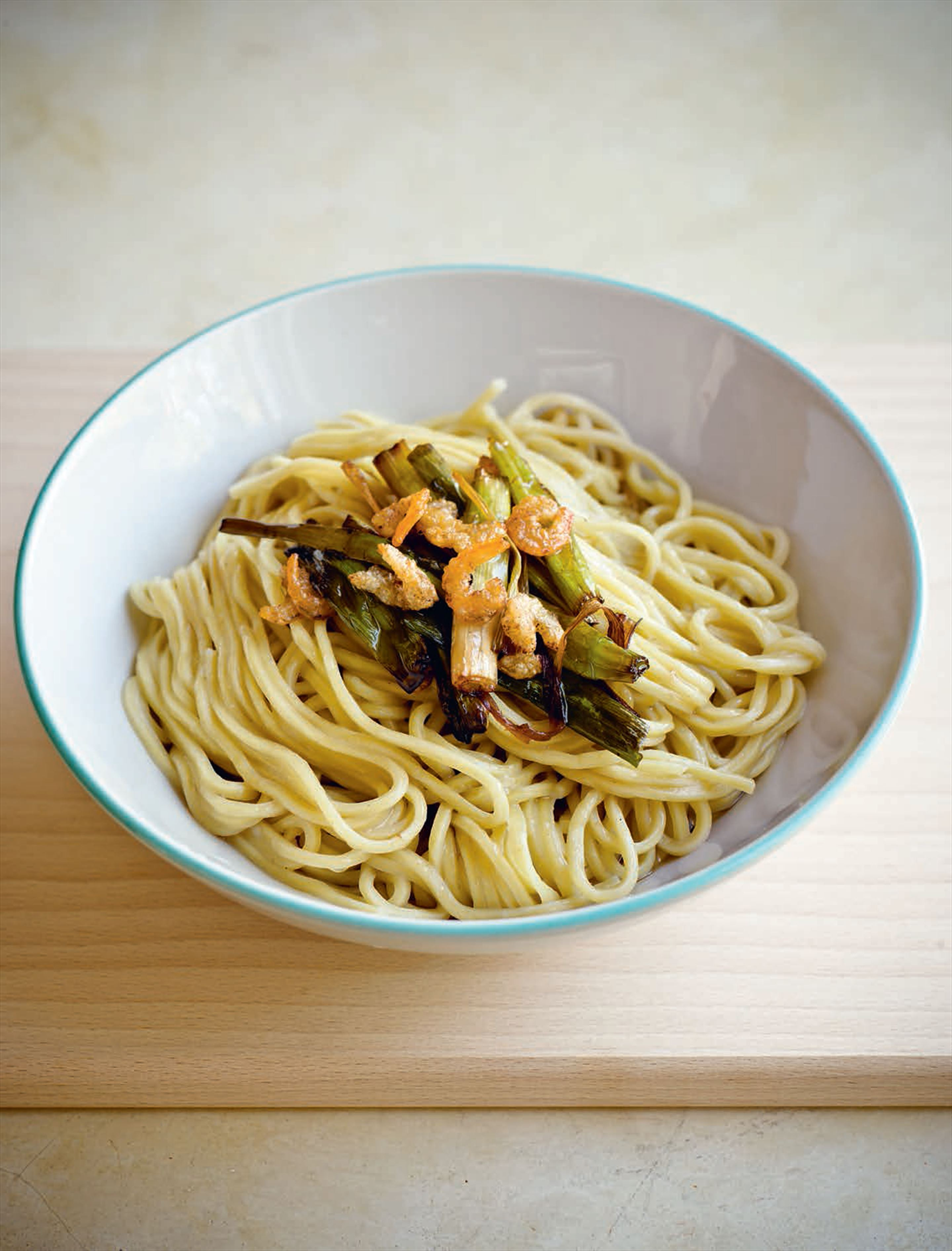 Shanghai noodles with dried shrimp and spring onion oil