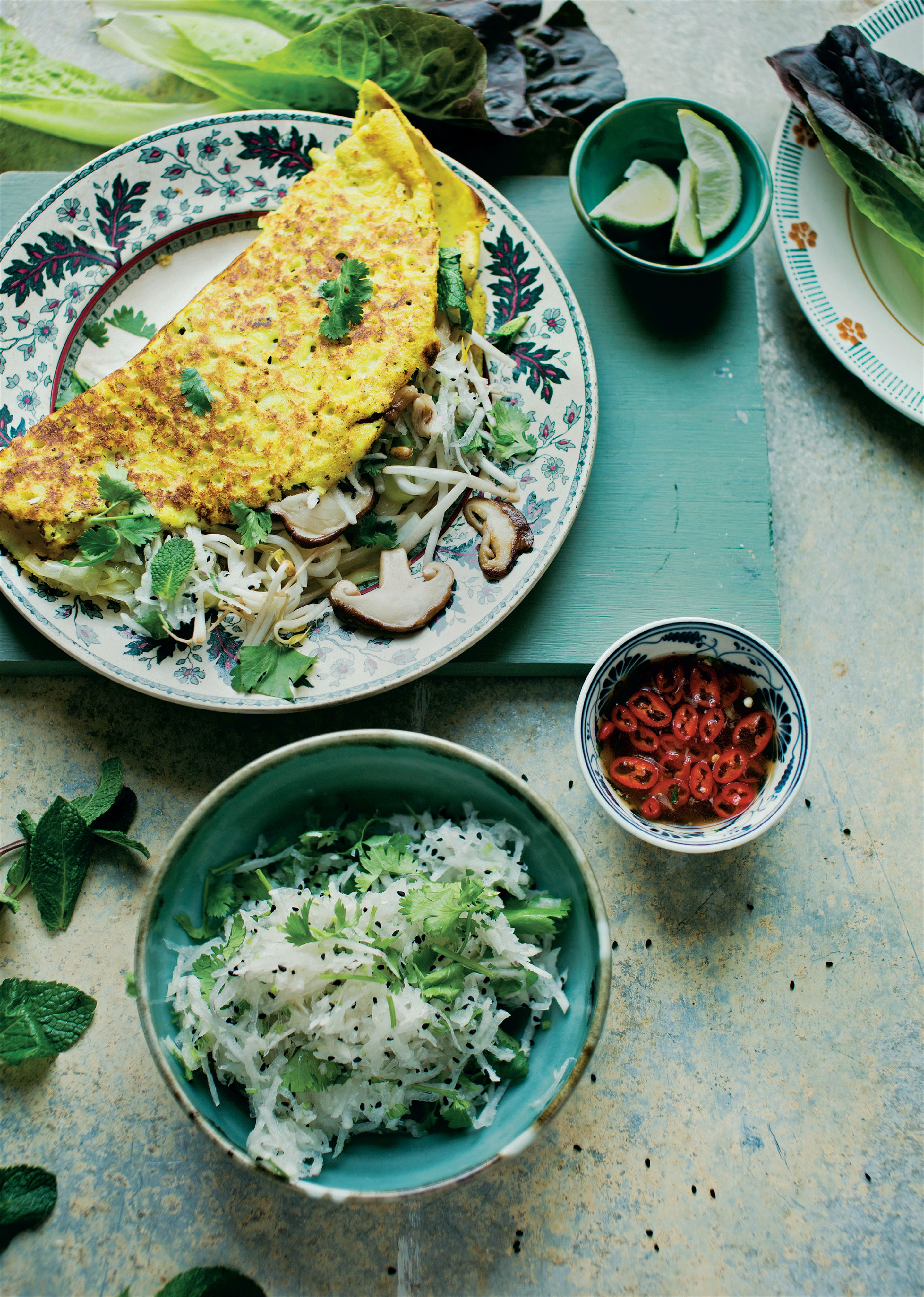 Banh xeo with shiitake and bean sprouts