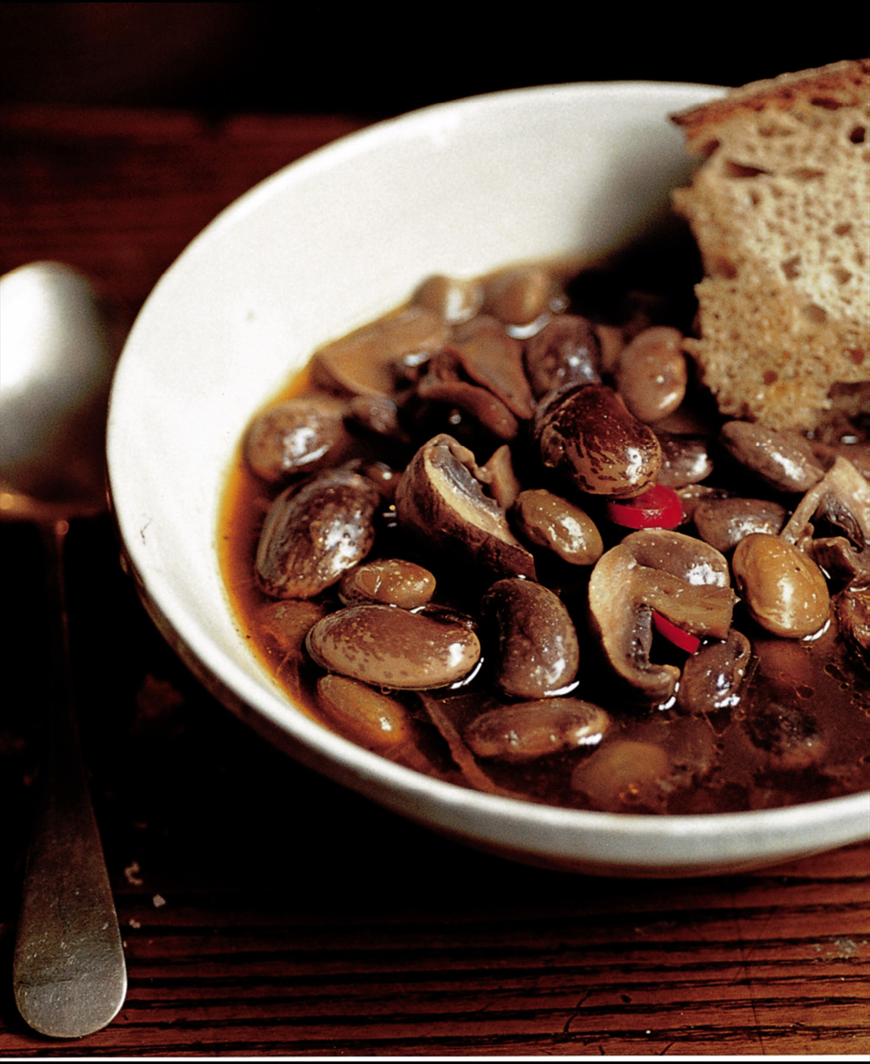 Mushroom and bean soup