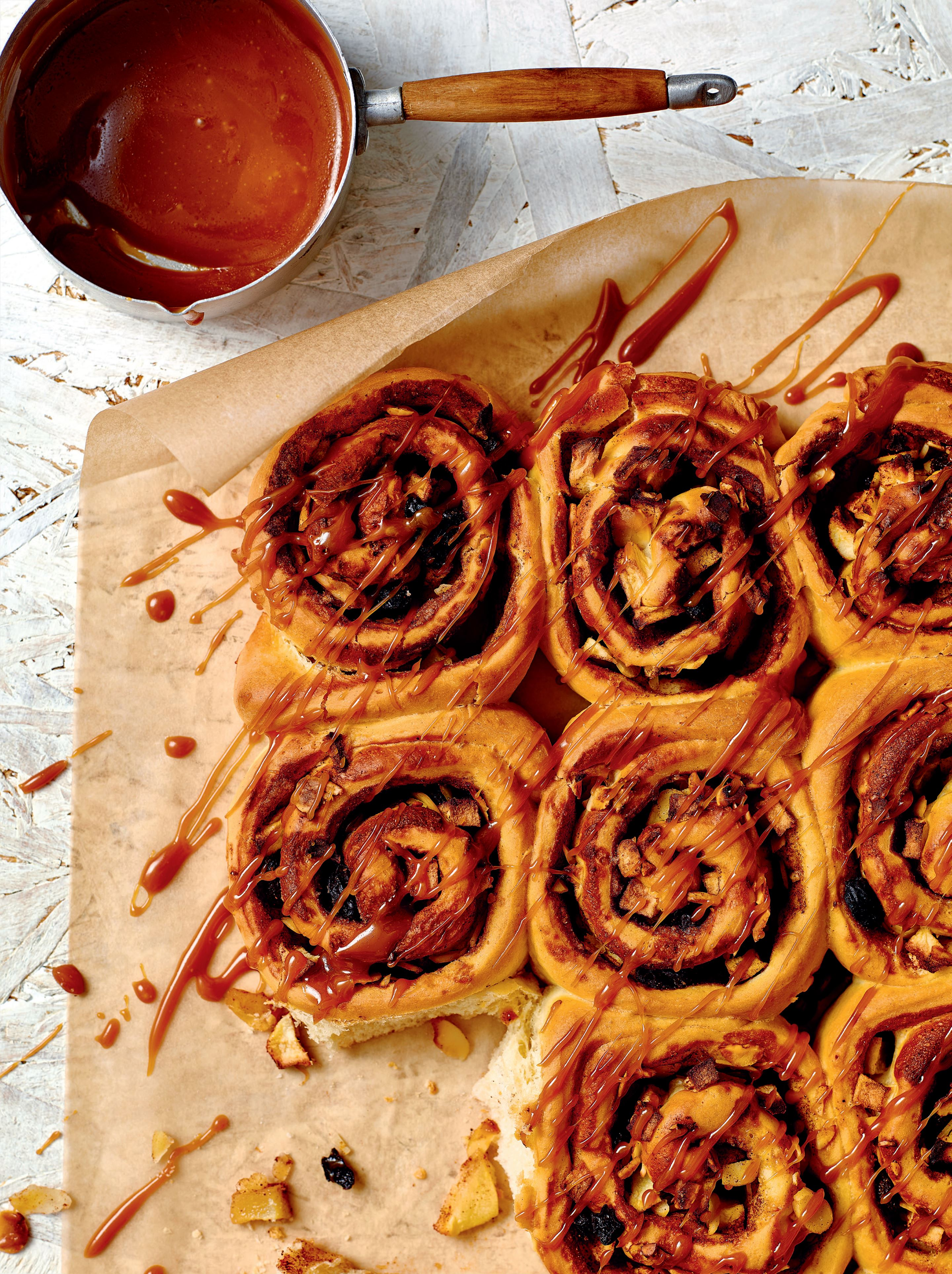 Apple and cinnamon Chelsea buns