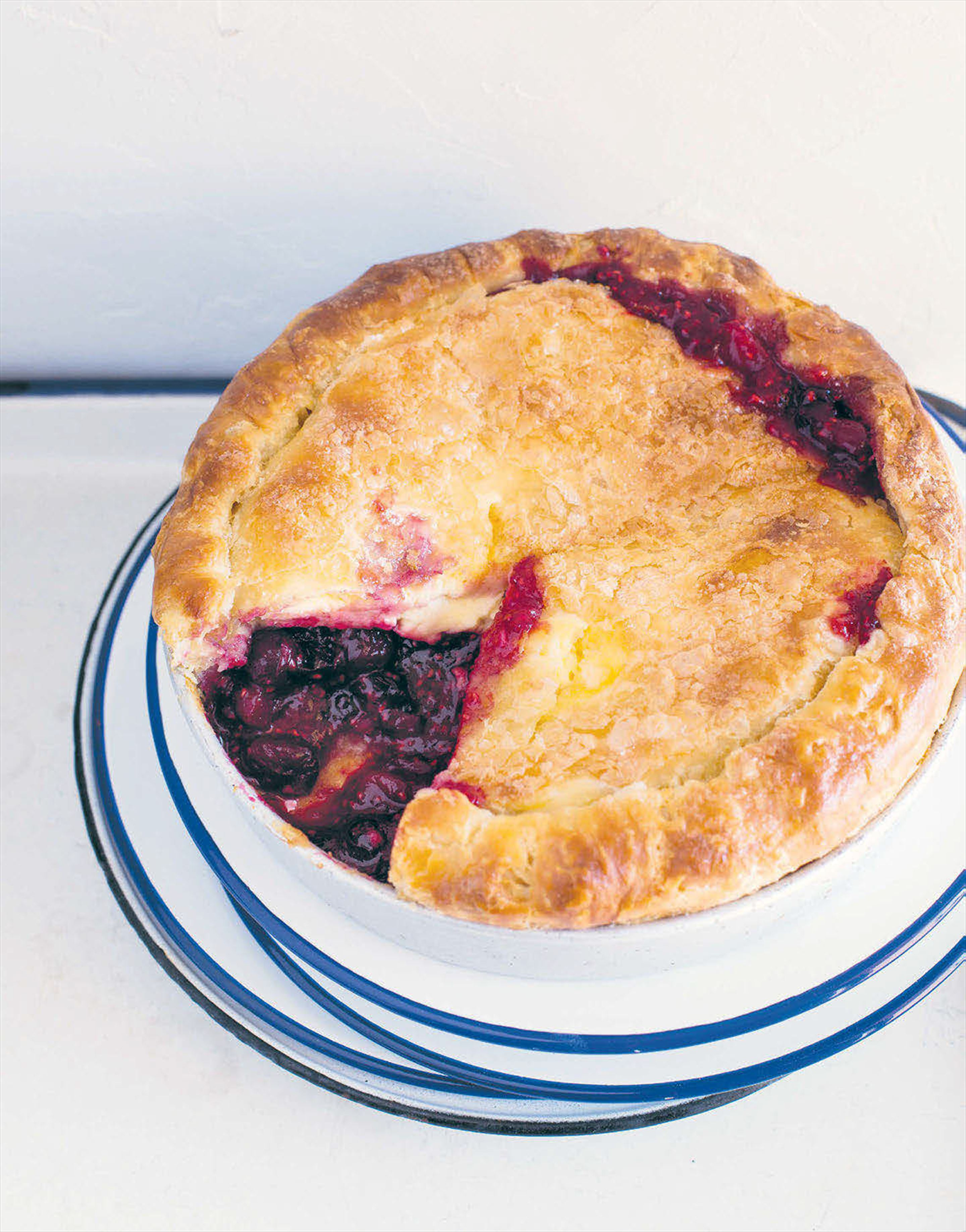 Berry, ginger and sour cream pie