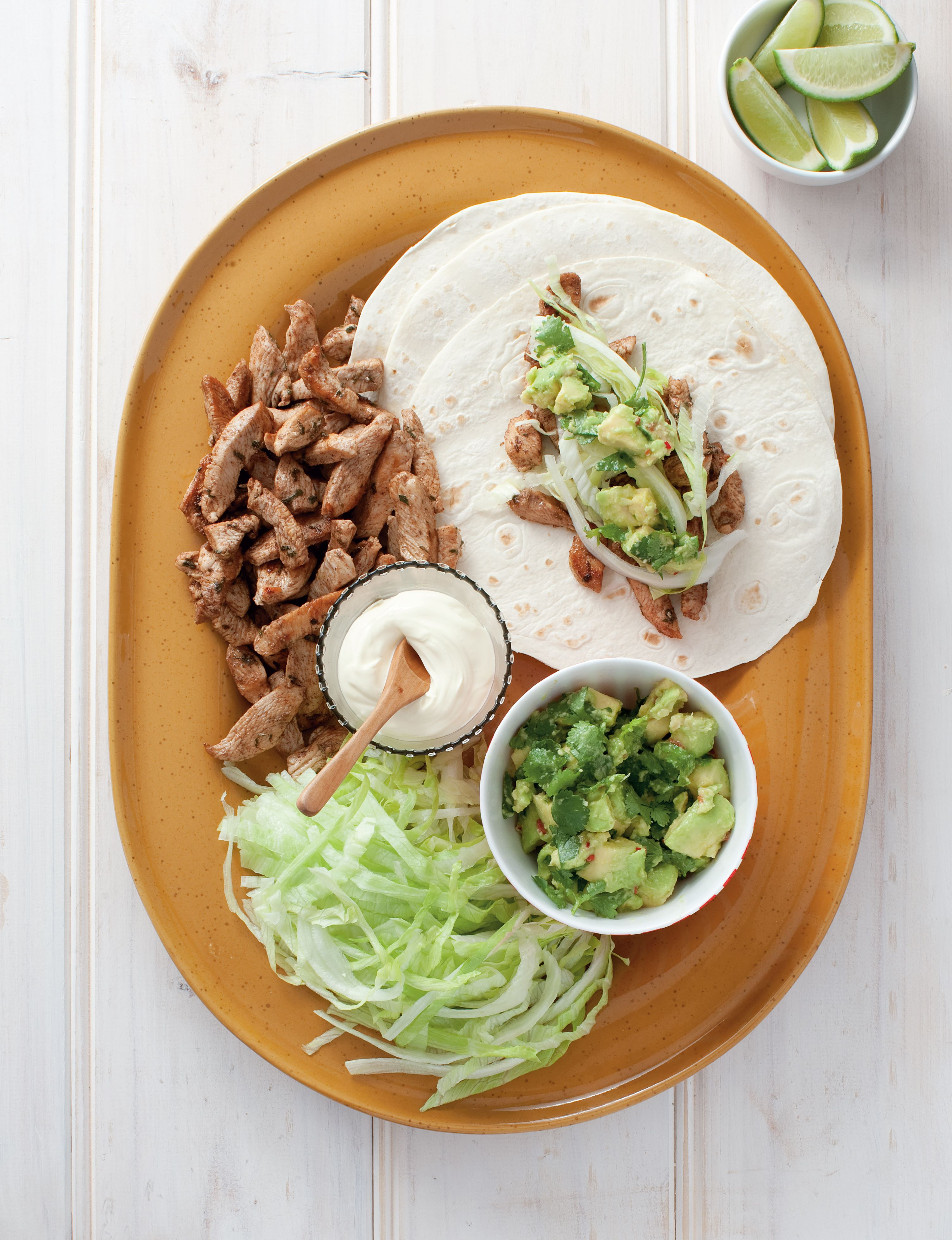 Chicken fajitas with avocado mash