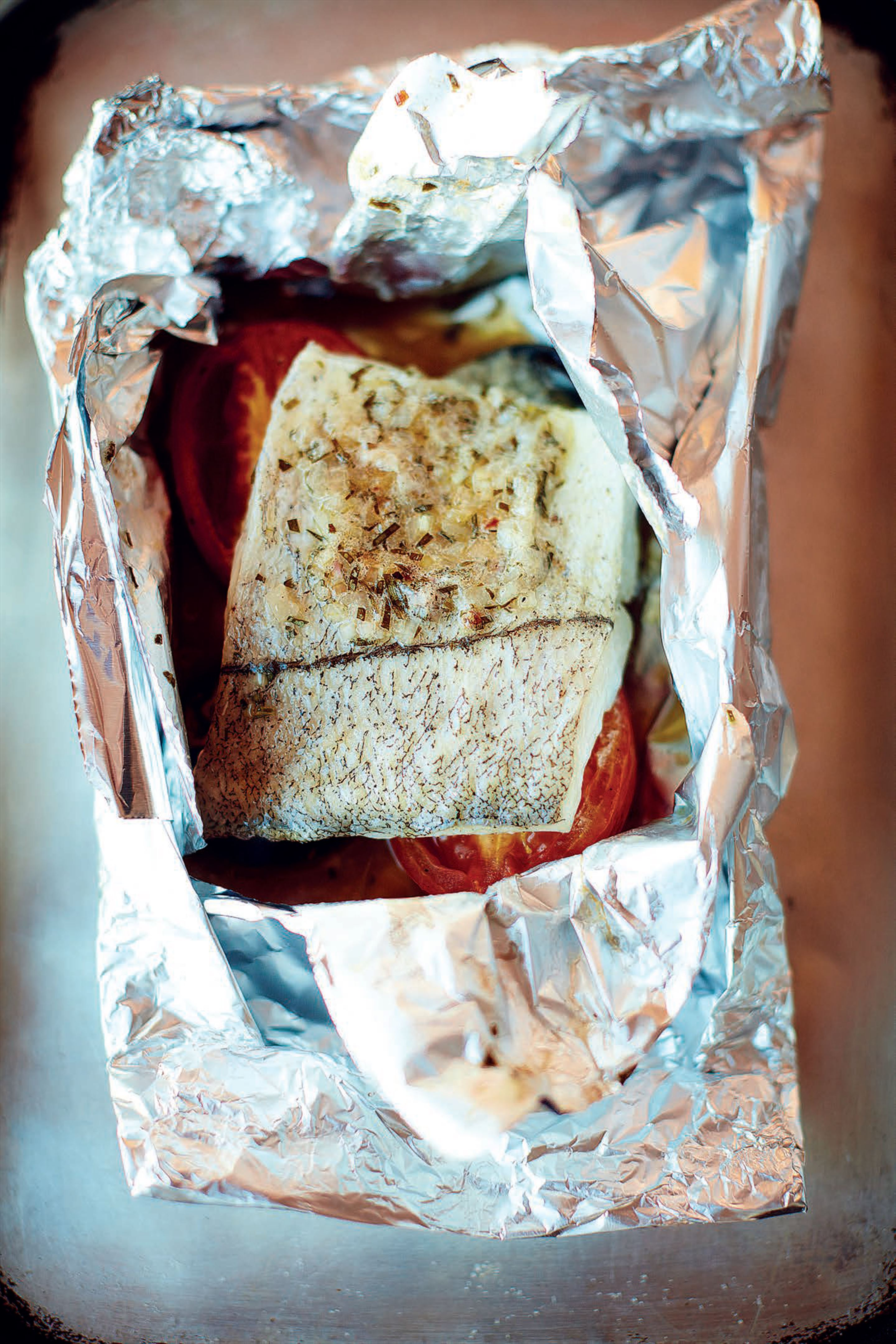 Haddock baked in a bag with béarnaise butter