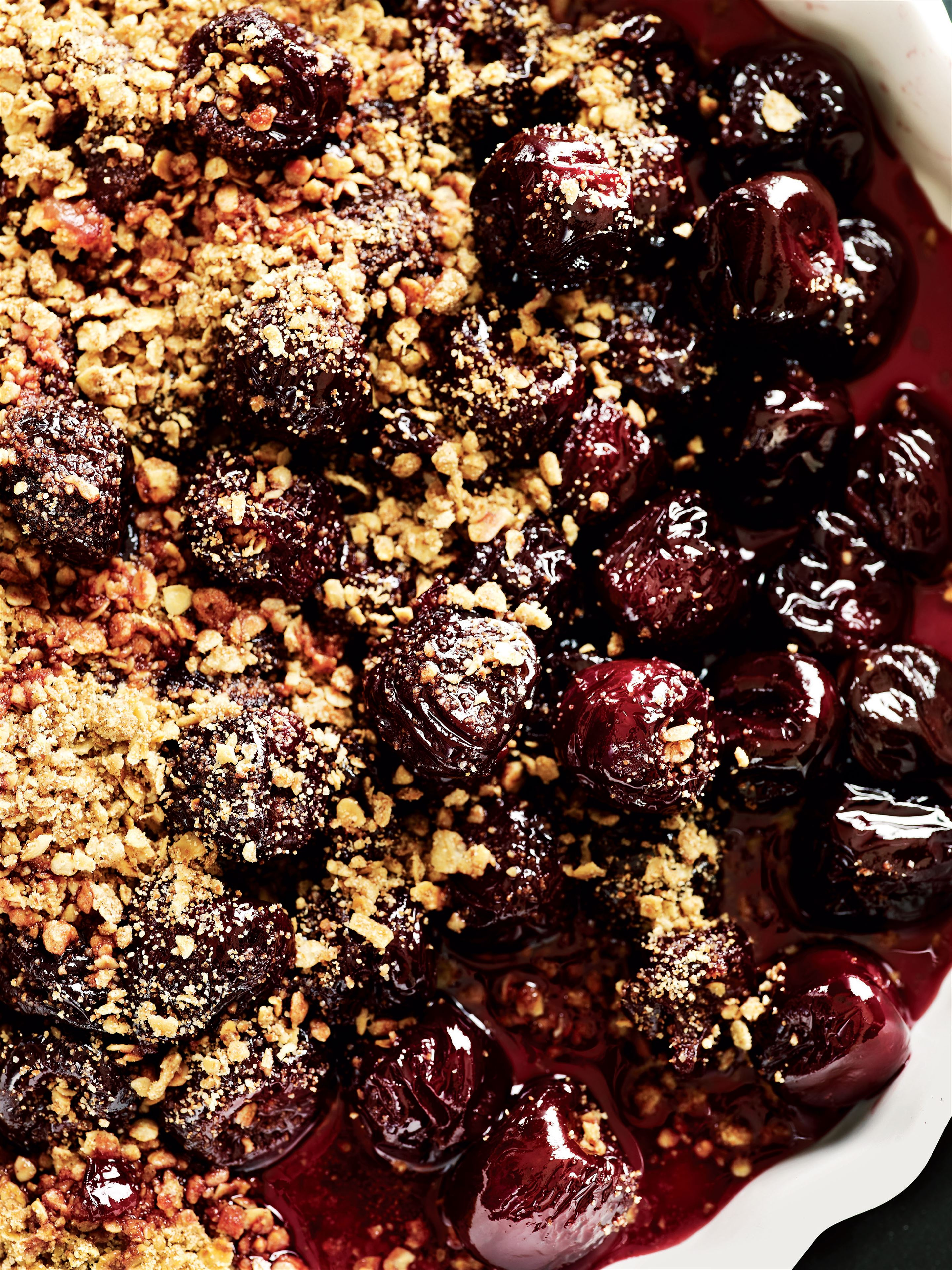 Good-night spiced cherry crumble
