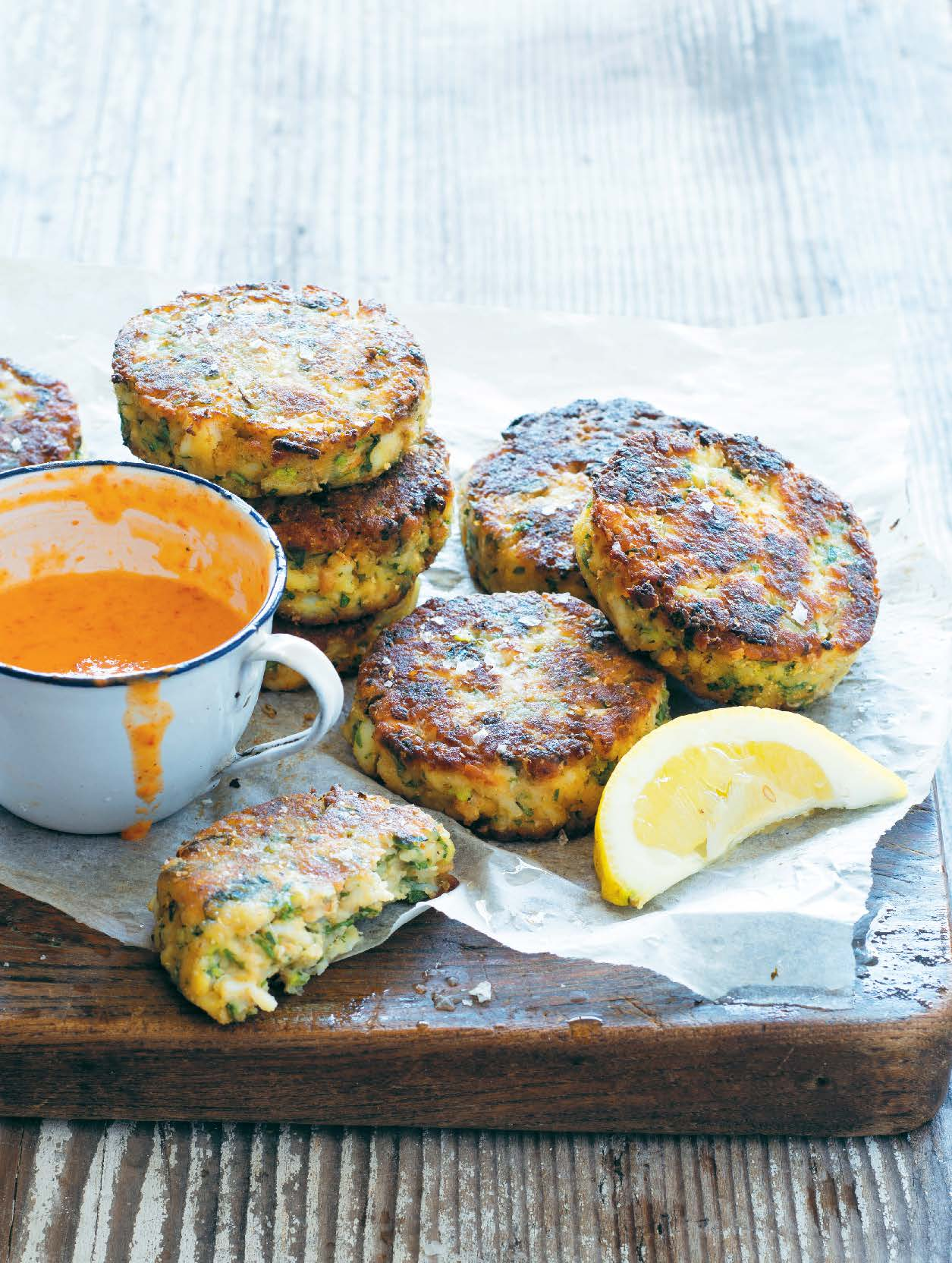 Crab cakes with red mayonnaise