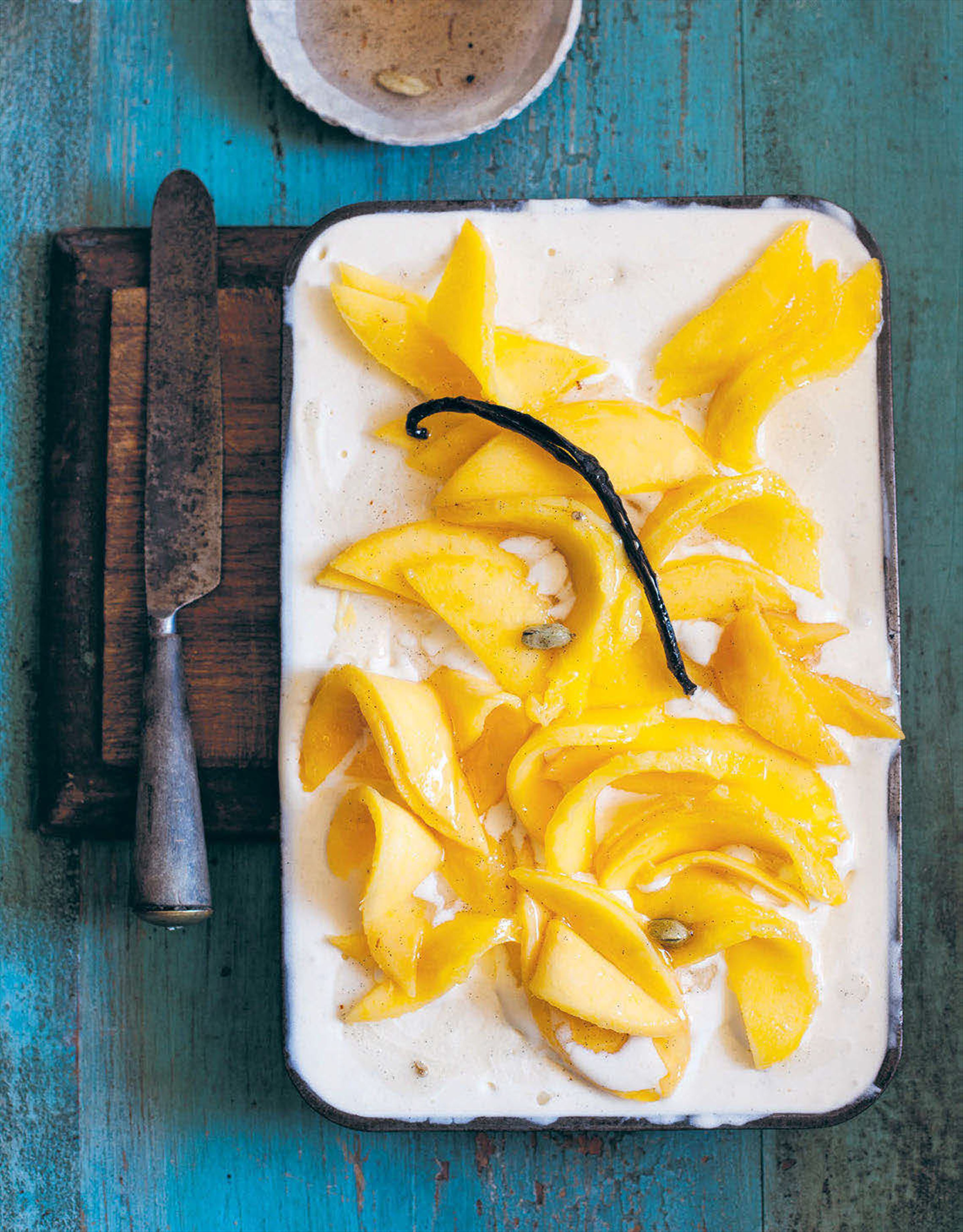 Spiced mango ice cream pie