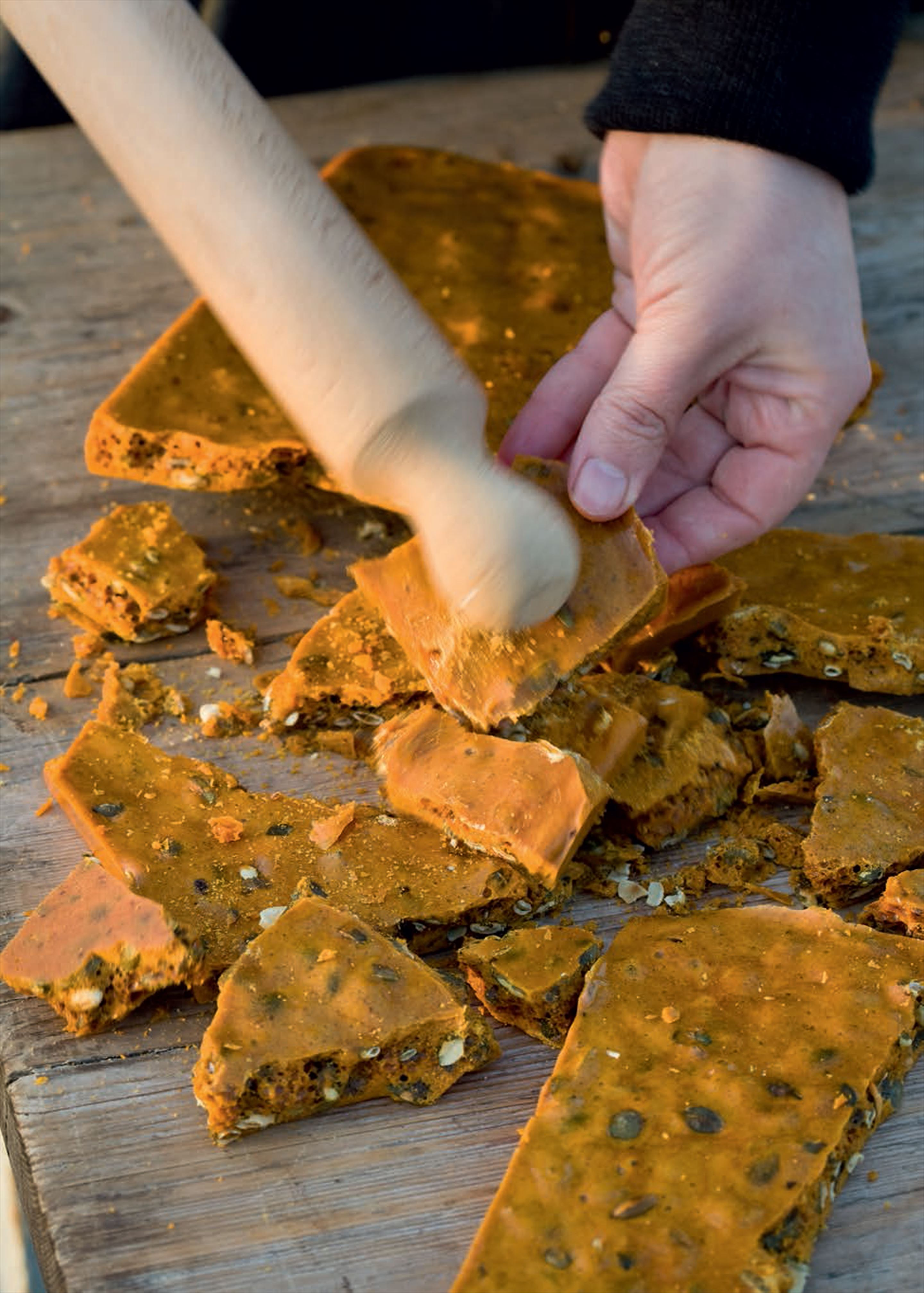 Pumpkin seed and cinnamon brittle