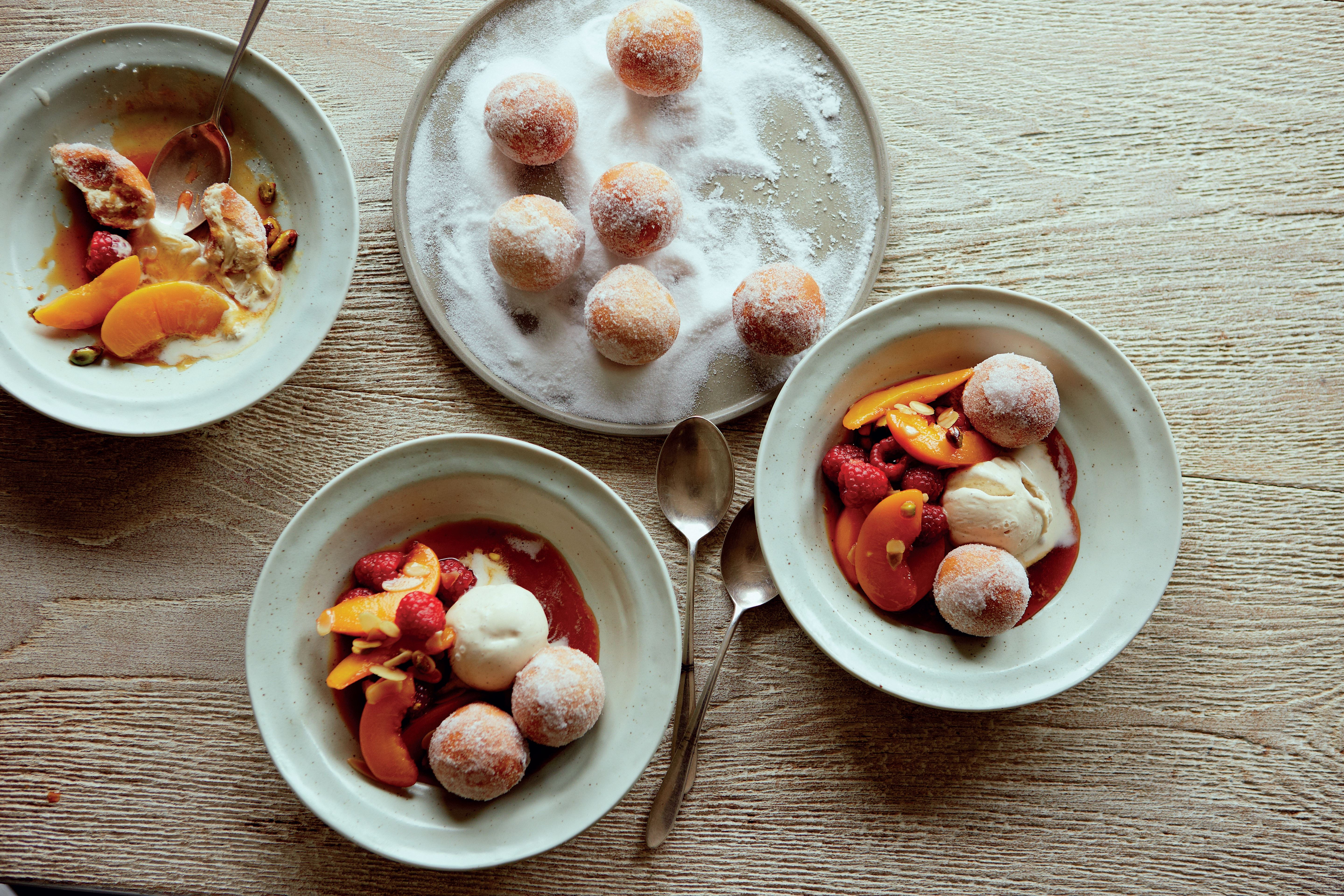 Peach melba with sugar-roasted doughnuts
